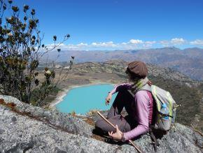 Conocer nuevos sitios forman parte de las tendencias de viaje de los peruanos para el 2022. Los viajeros peruanos ahora resaltan que los viajes contribuyen a su bienestar mental y emocional. ANDINA/Difusión