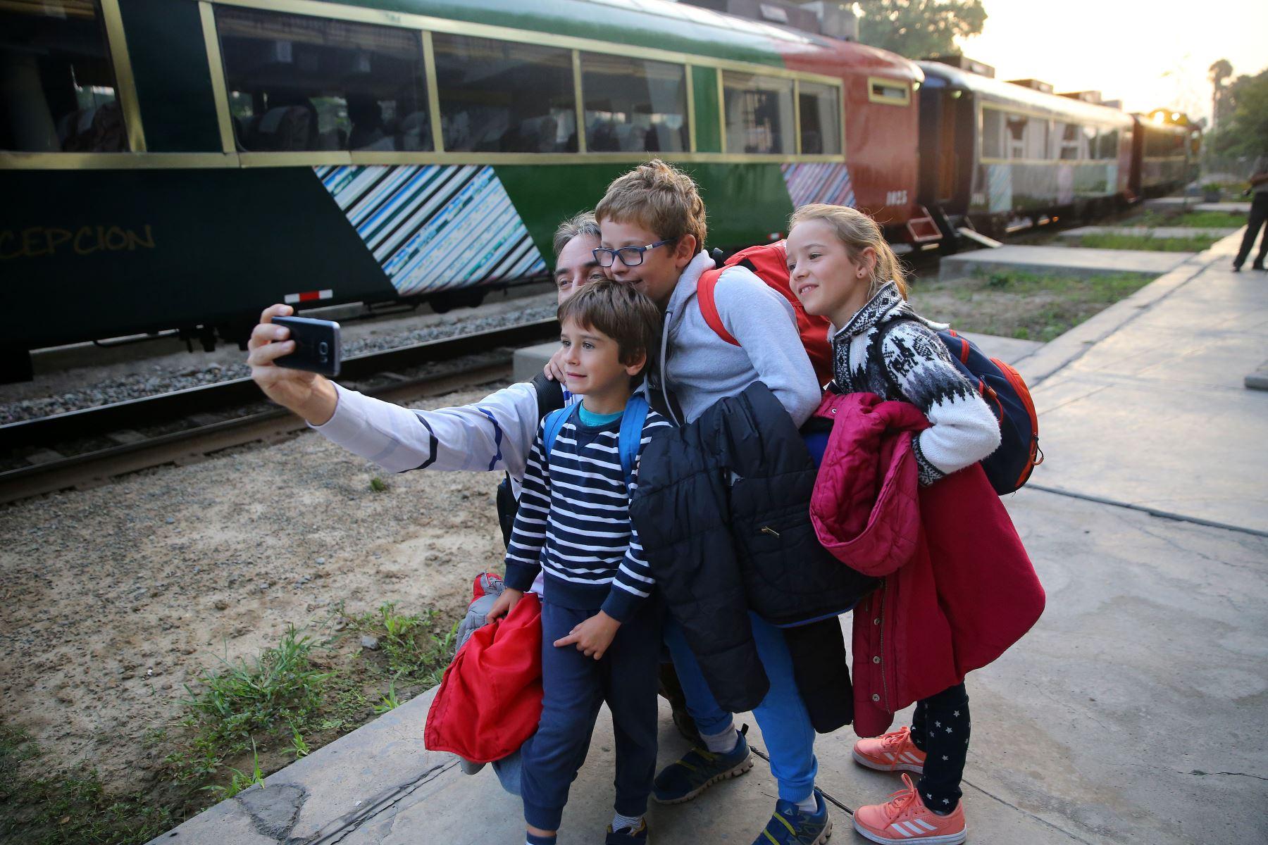 Ferrocarril Huancayo-Huancavelica ofrecerá servicio diario con cinco salidas por sentido. ANDINA/Luis Iparraguirre