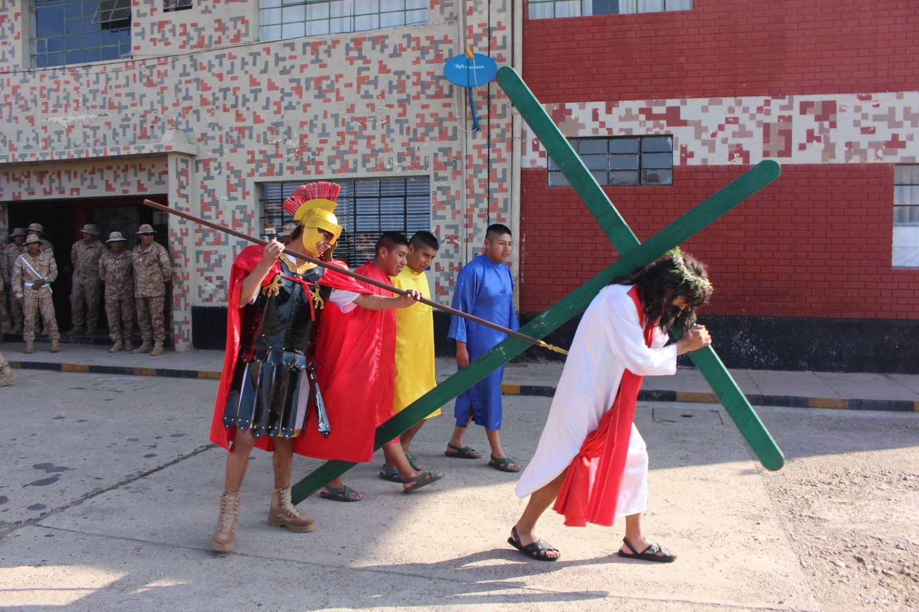 La escenificación del vía crucis por Semana Santa es la actividad que atrae a más visitantes. Foto: ANDINA