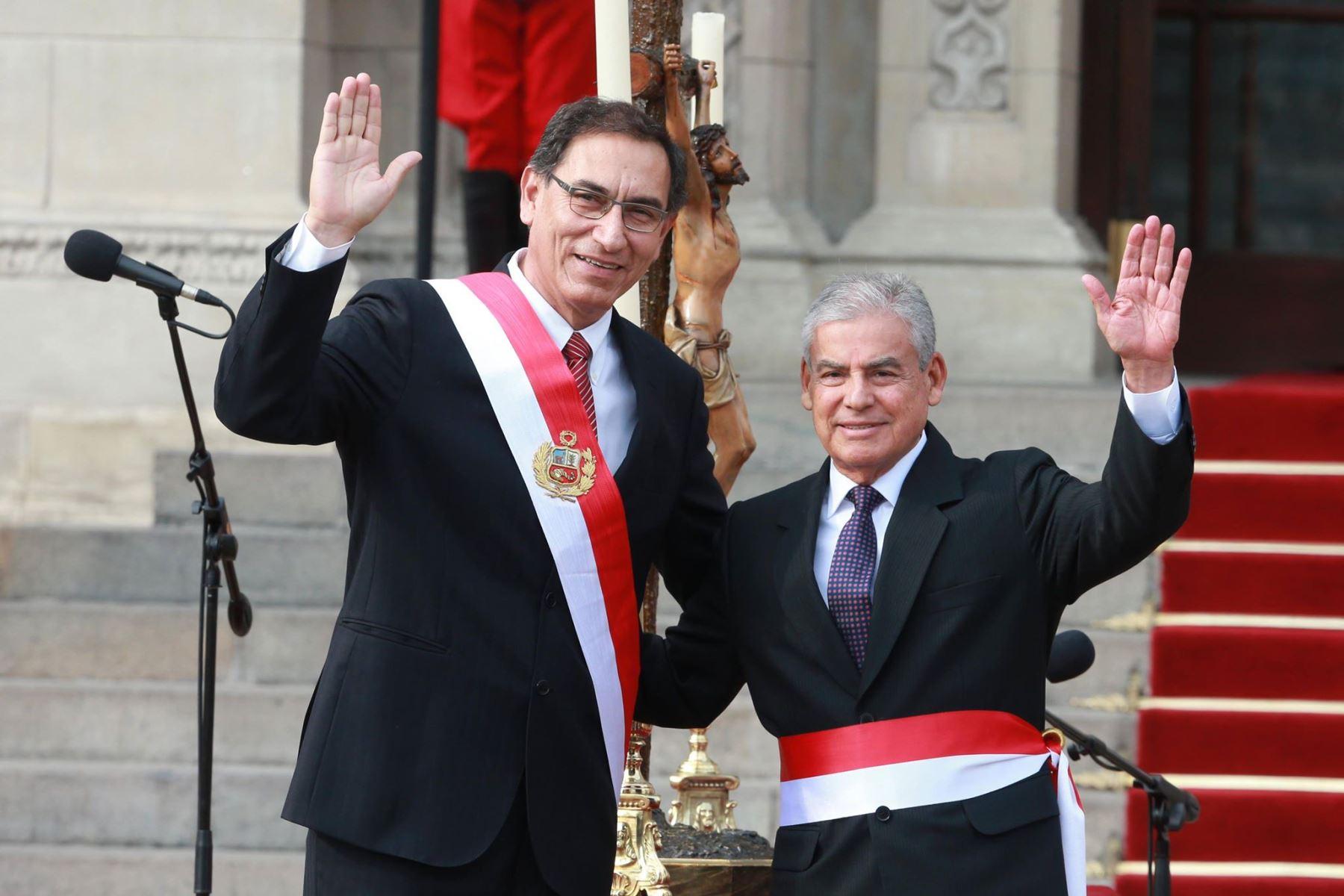 Presidente Vizcarra toma juramento a nuevo Gabinete encabezado por César Villanueva. Foto: ANDINA/ Vidal Tarqui
