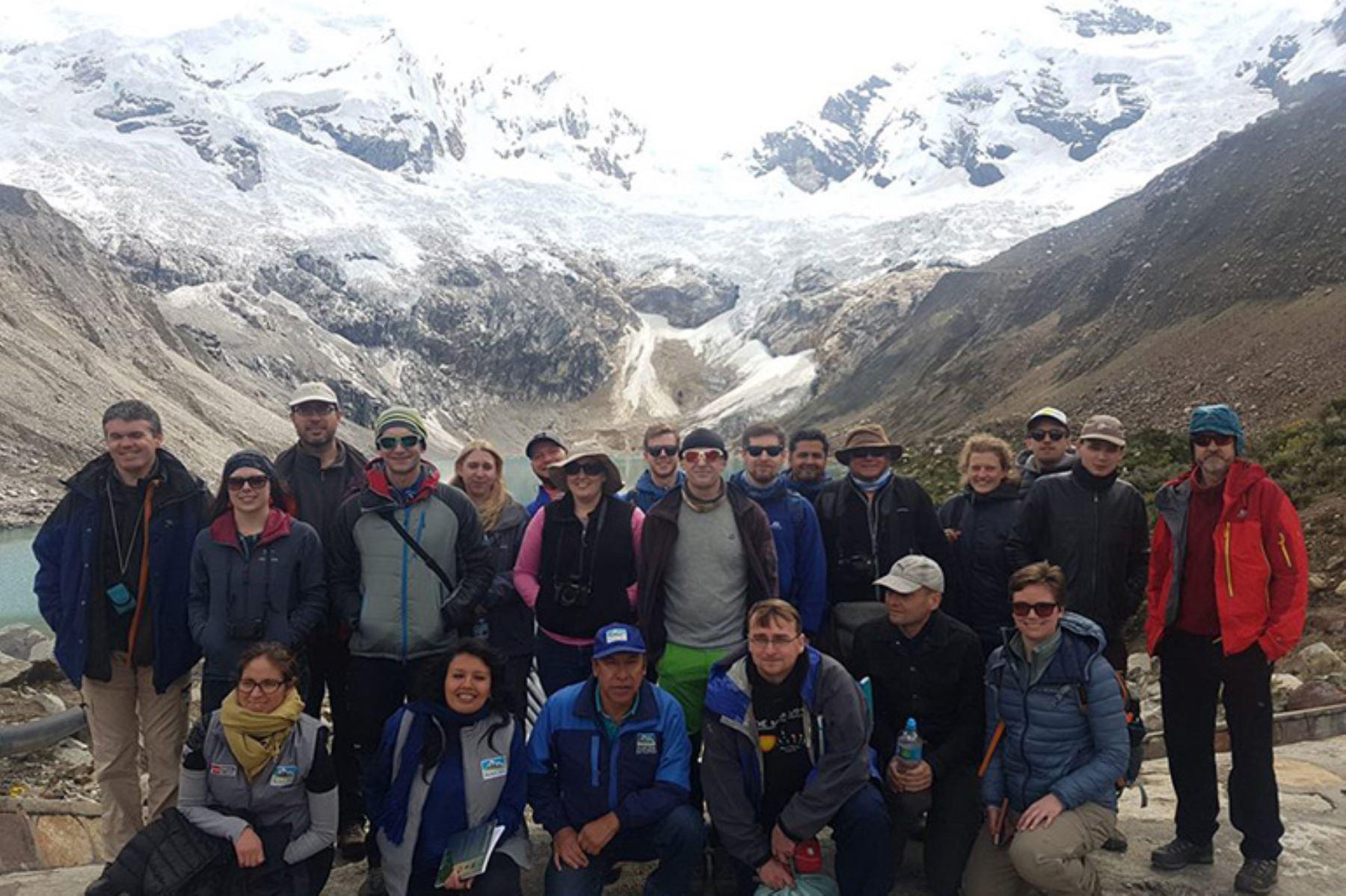 Científicos británicos visitaron glaciares ubicados en el Callejón de Huaylas, en Áncash, Perú. Foto: Revista Stakeholders