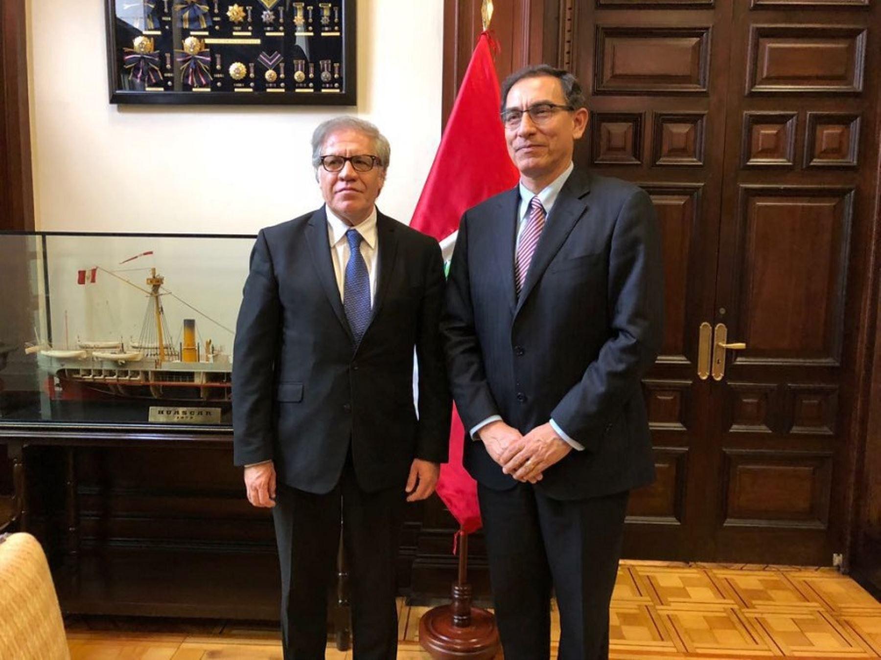 Presidente Martín Vizcarra se reunió con el secretario general de la OEA, Luis Almagro.