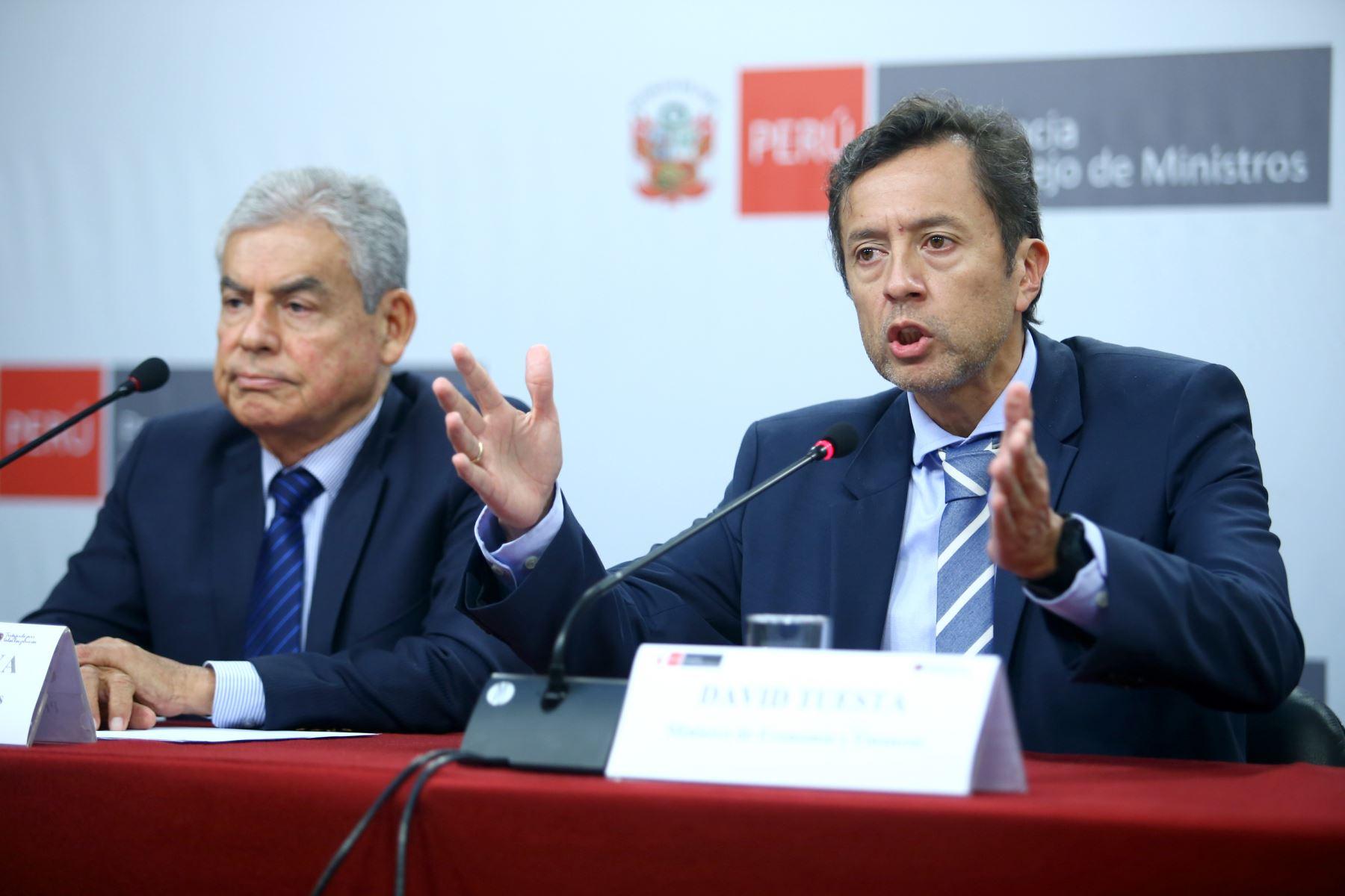 Ministro de Economía, David Tuesta durante la conferencia de prensa tras el primer consejo de ministros. Foto: ANDINA/Melina Mejía