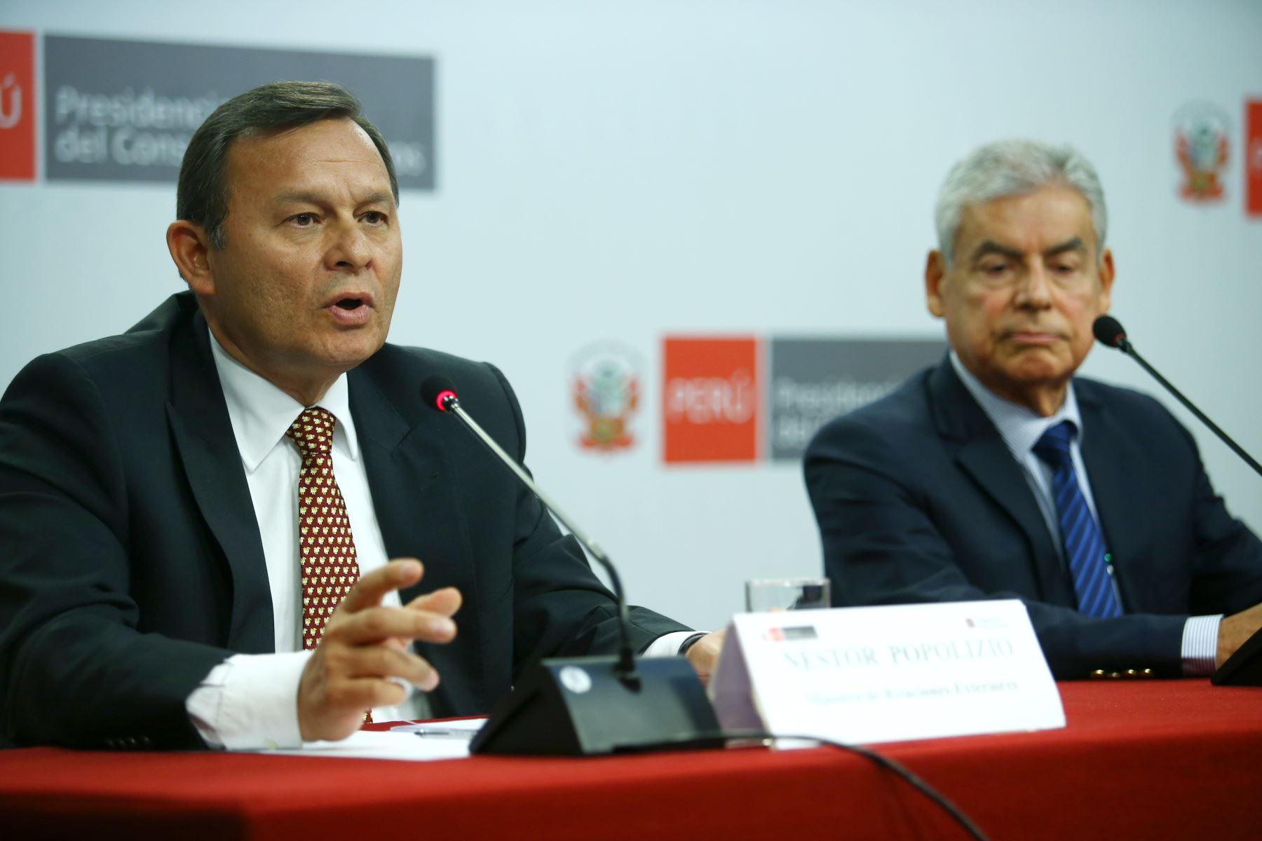 Ministro de Relaciones Exteriores, Néstor Popolizio durante la conferencia de prensa tras el primer consejo de ministros. Foto: ANDINA/Melina Mejía