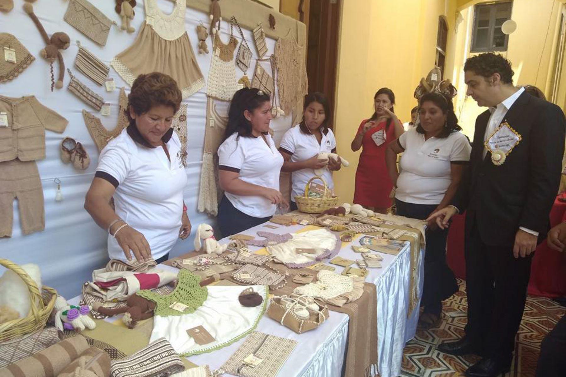 Artesanas de algodón nativo de Lambayeque obtienen marca colectiva. ANDINA