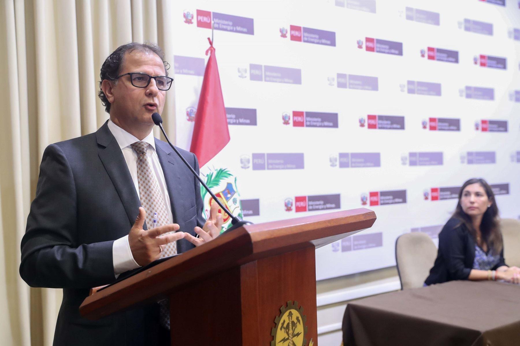 Ministro de Energía y Minas, Francisco Ísmodes. ANDINA/Difusión
