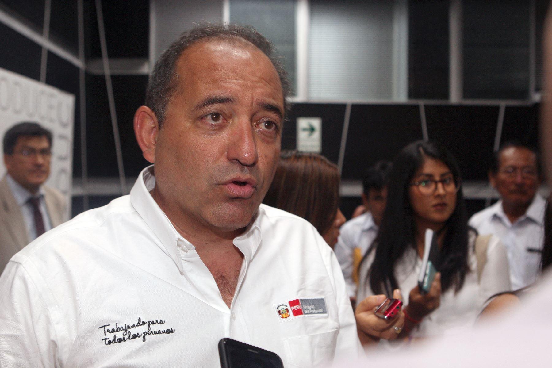 Ministro de la Producción. Daniel Córdova. ANDINA/Héctor Vinces