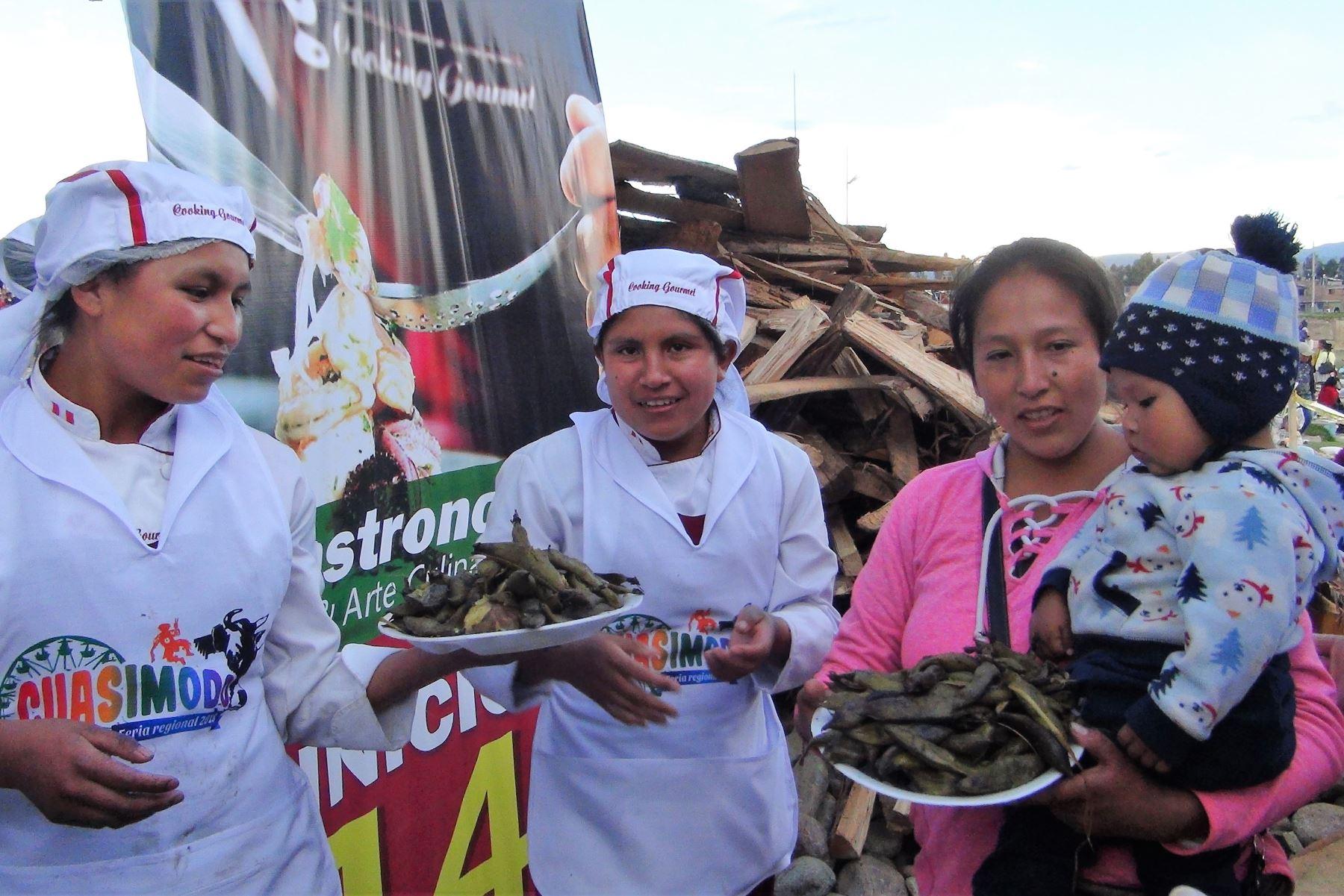 La pachamanca más grande del mundo se preparó en Huancayo. ANDINA/Pedro Tinoco