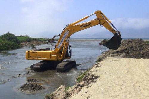 La Autoridad para la Reconstrucción con Cambios (ARRC) gestionó la transferencia de S/ 510 millones para financiar 119 proyectos de reconstrucción de infraestructura dañada por el Fenómeno de El Niño Costero, en 12 regiones del país. ANDINA
