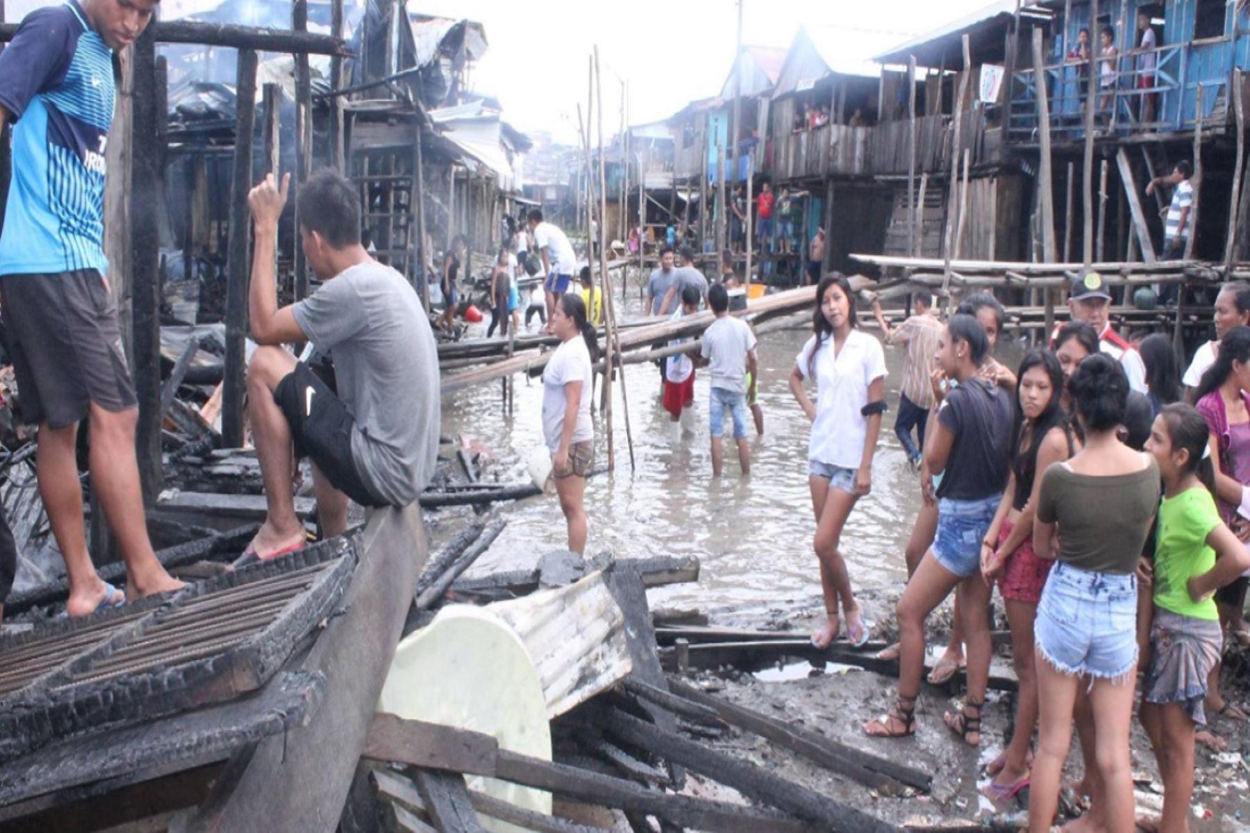 Incendio en la zona baja del populoso distrito de Belén destruyó 18 viviendas. ANDINA/Difusión