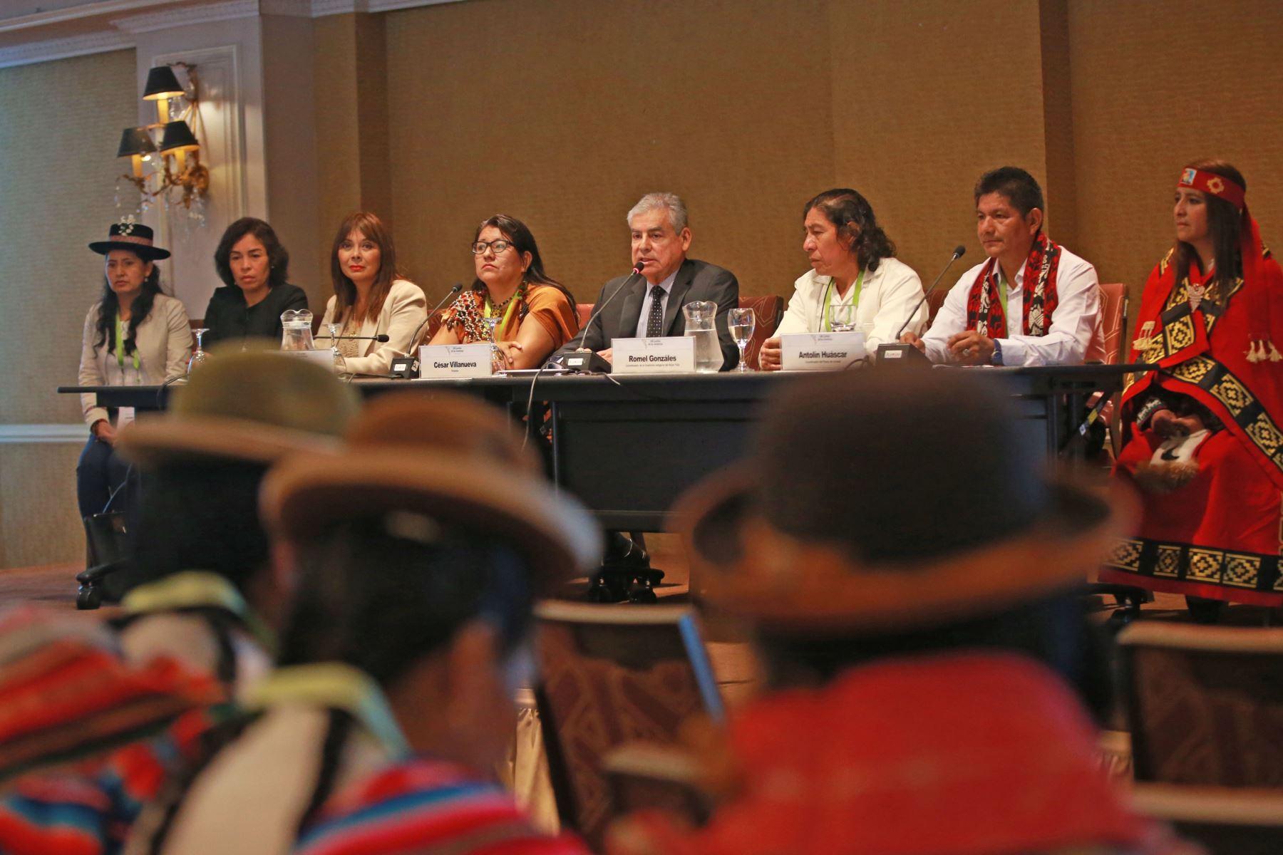 El titular del Consejo de Ministros, César Villanueva, inauguró Foro de los Pueblos Indígenas, en el marco de la Cumbre de las Américas. Foto: ANDINA/ Jhony Laurente