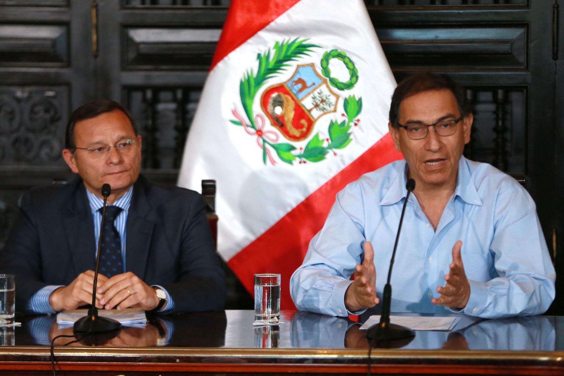 Conferencia prensa del Presidente de la República Martín Vizcarra y el Canciller Néstor Popolizio Bardales sobre la Cumbre de las Américas.  Foto: ANDINA/Vidal Tarqui