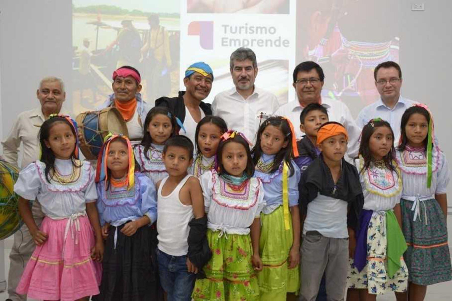 """El ministro de Comercio Exterior y Turismo, Roger Valencia, anunció hoy el inicio de la segunda convocatoria del Programa """"Turismo Emprende"""", a través del cual se entregarán S/ 2.5 millones para financiar nuevos emprendimientos turísticos en el Perú, así como fortalecer aquellos pequeños negocios que se encuentran en marcha."""