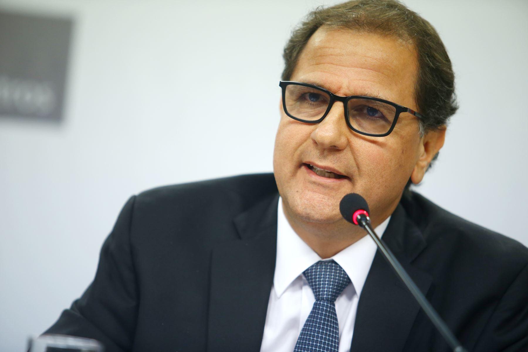 Ministro de Energía y Minas, Francisco Ísmodes. ANDINA/Melina Mejía