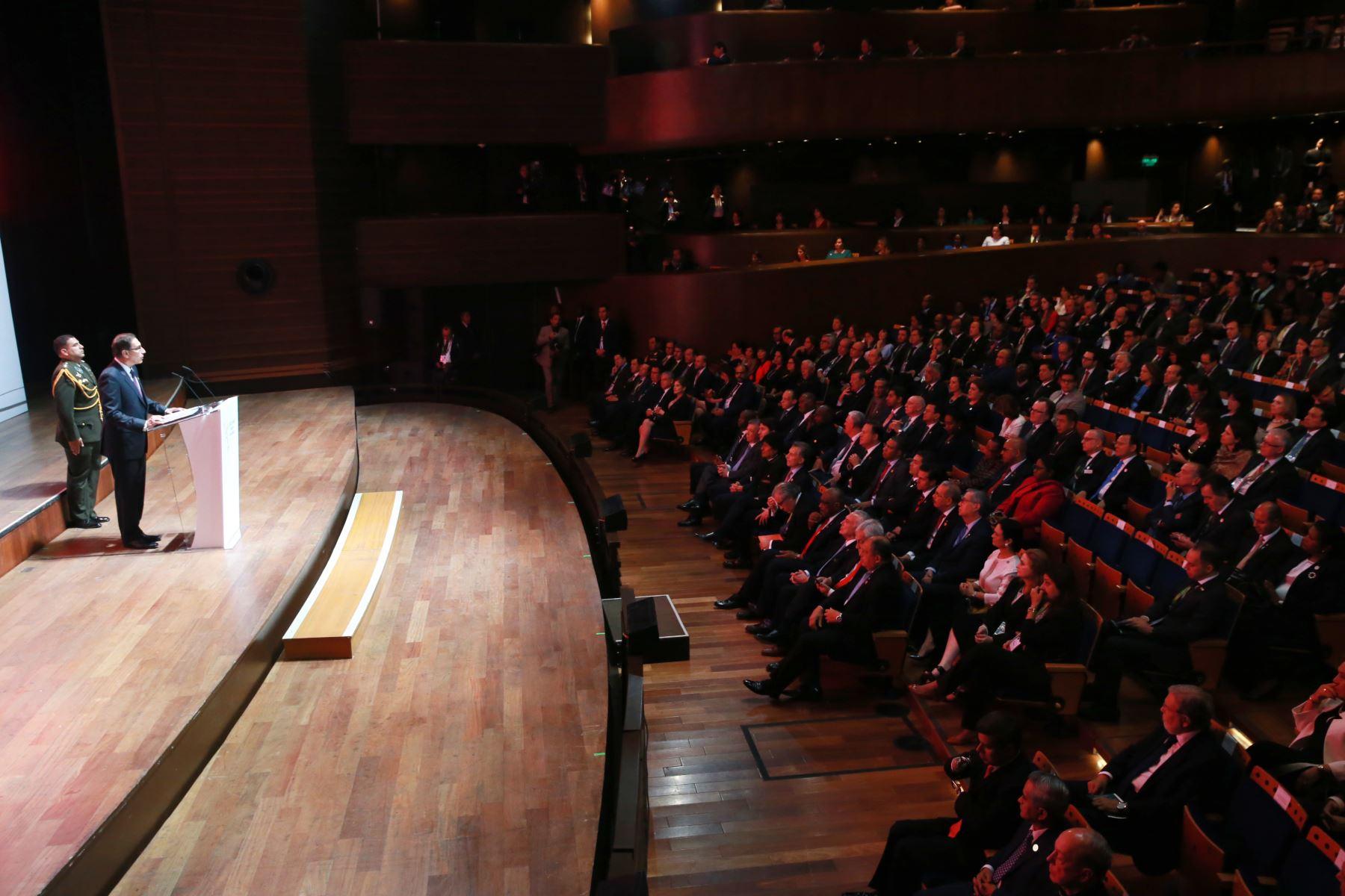 Presidente Martín Vizcarra en la Ceremonia de inauguración de la VIII Cumbre de Las Américas en el Gran Teatro Nacional. Foto: ANDINA/Norman Córdova