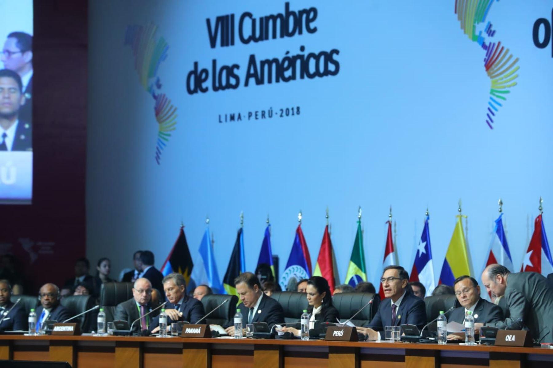 Presidente Martín Vizcarra participa en  la sesión plenaria de la VIII Cumbre de las Américas en Lima. Foto: ANDINA/Prensa Presidencia