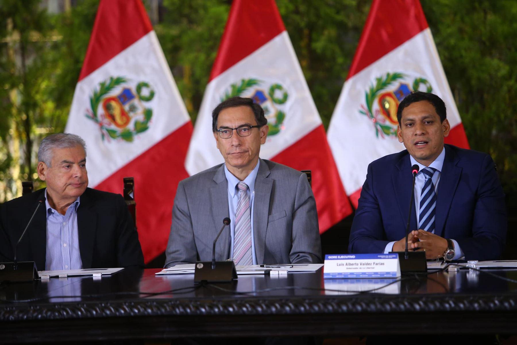 El gobernador regional de La Libertad, Luis Alberto Valdez, participa en Gore-Ejecutivo Extraordinario. Foto: ANDINA/Prensa Presidencia.