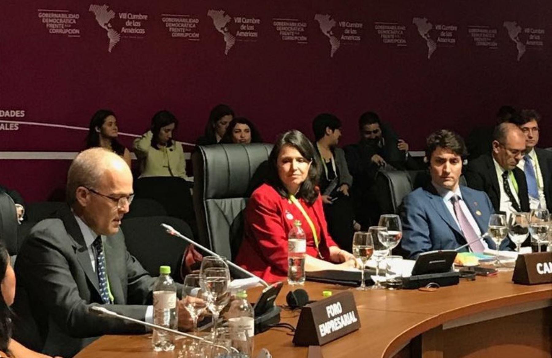 Presidente de la Confiep, Roque Benavides en la VIII Cumbre Empresarial. Foto: Cortesía.