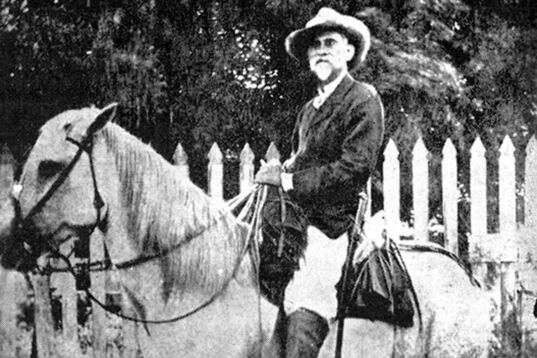 Esta prenda fue llevada a Cuba, según historiadores criollos, por el general dominicano Máximo Gómez, oriundo de Baní, prócer de la independencia cubana y uno de los fundadores del Ejército hondureño. (Foto tomada de cubadebate.cu)