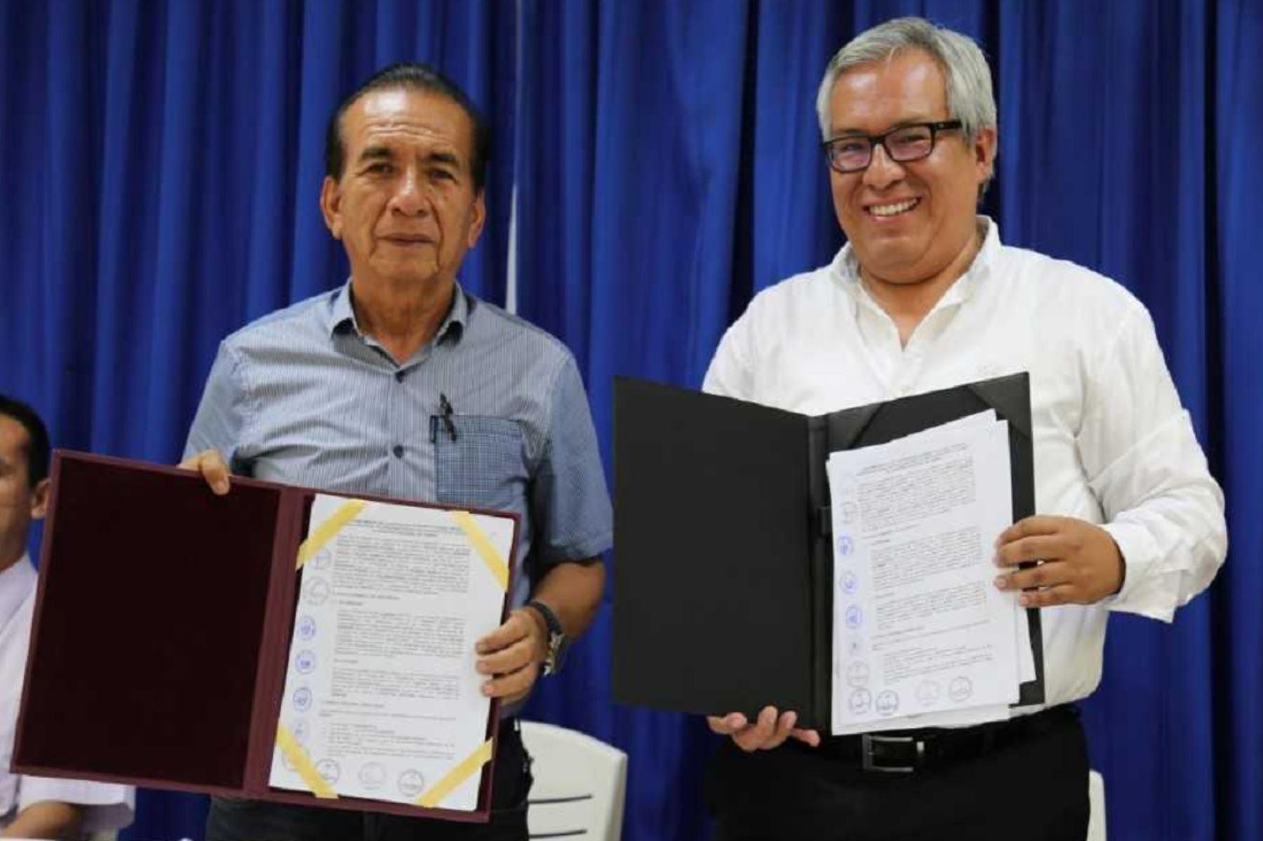 El  Sernanp también suscribió tres Contratos de Aprovechamiento de recursos forrajeros de la Reserva Nacional de Tumbes.