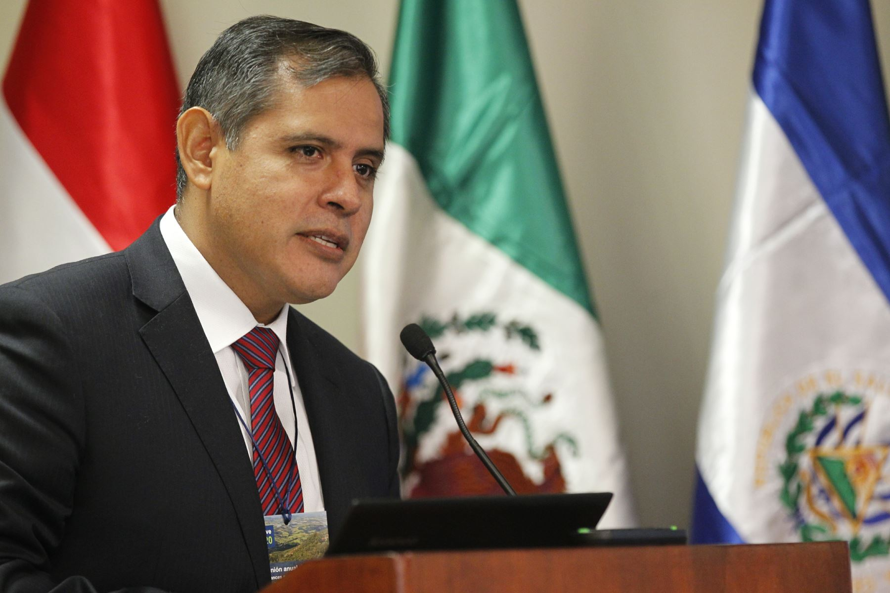 Ministro de Agricultura y Riego Gustavo Mostajo  ANDINA/Dante Zegarra