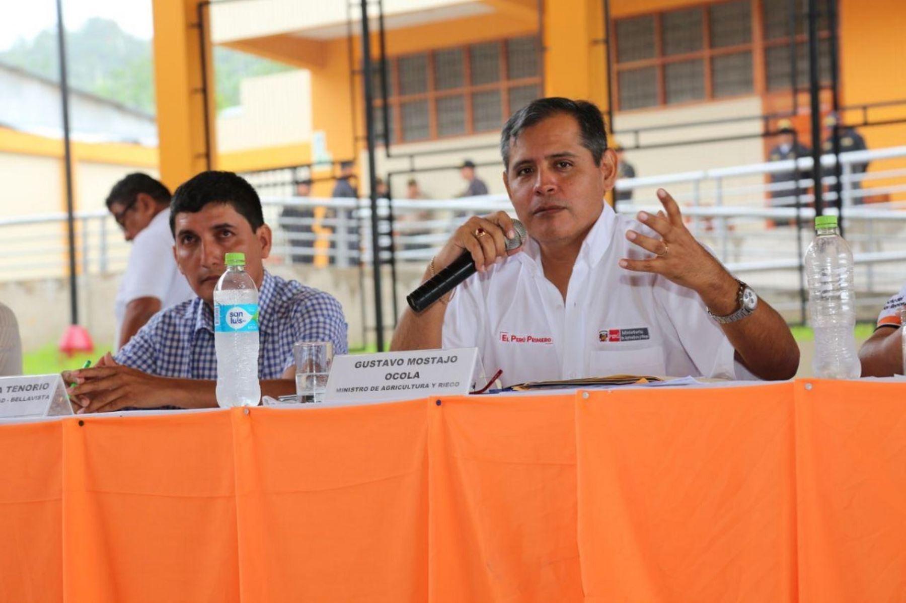 Ministro de Agricultura y Riego, Gustavo Mostajo en Bellavista, región San Martín.  Foto: Cortesía