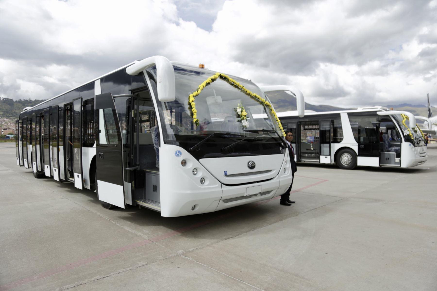 Corpac adquiere buses para mejorar la atención y servicio en el aeropuerto Alejandro Velasco Astete de Cusco. ANDINA/Difusión