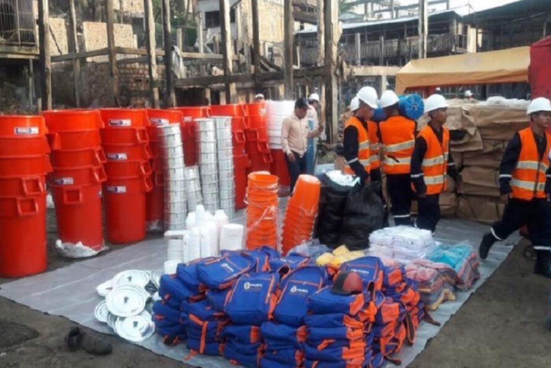 Se distribuyeron bienes consistentes en techo (calaminas y triplay), abrigo (camas, frazadas, zapatos, buzos), así como diversos enseres de uso doméstico.ANDINA/Difusión