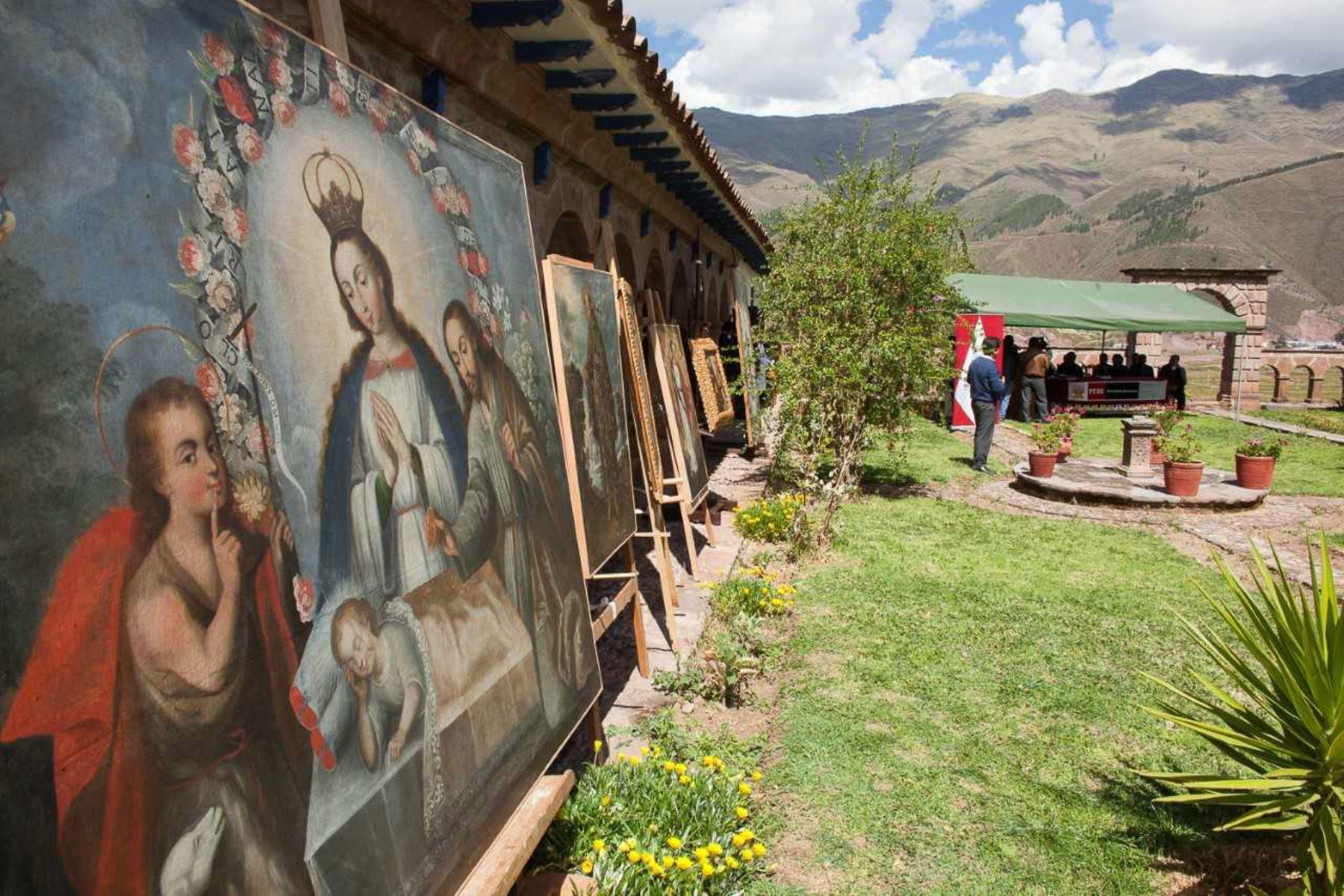 Un total de 74 obras de arte religioso y 110 cerámicas de la época inca fueron restauradas íntegramente por expertos y técnicos de la Dirección Desconcentrada de Cultura de Cusco en los talleres del Centro de Restauración de Tipón.