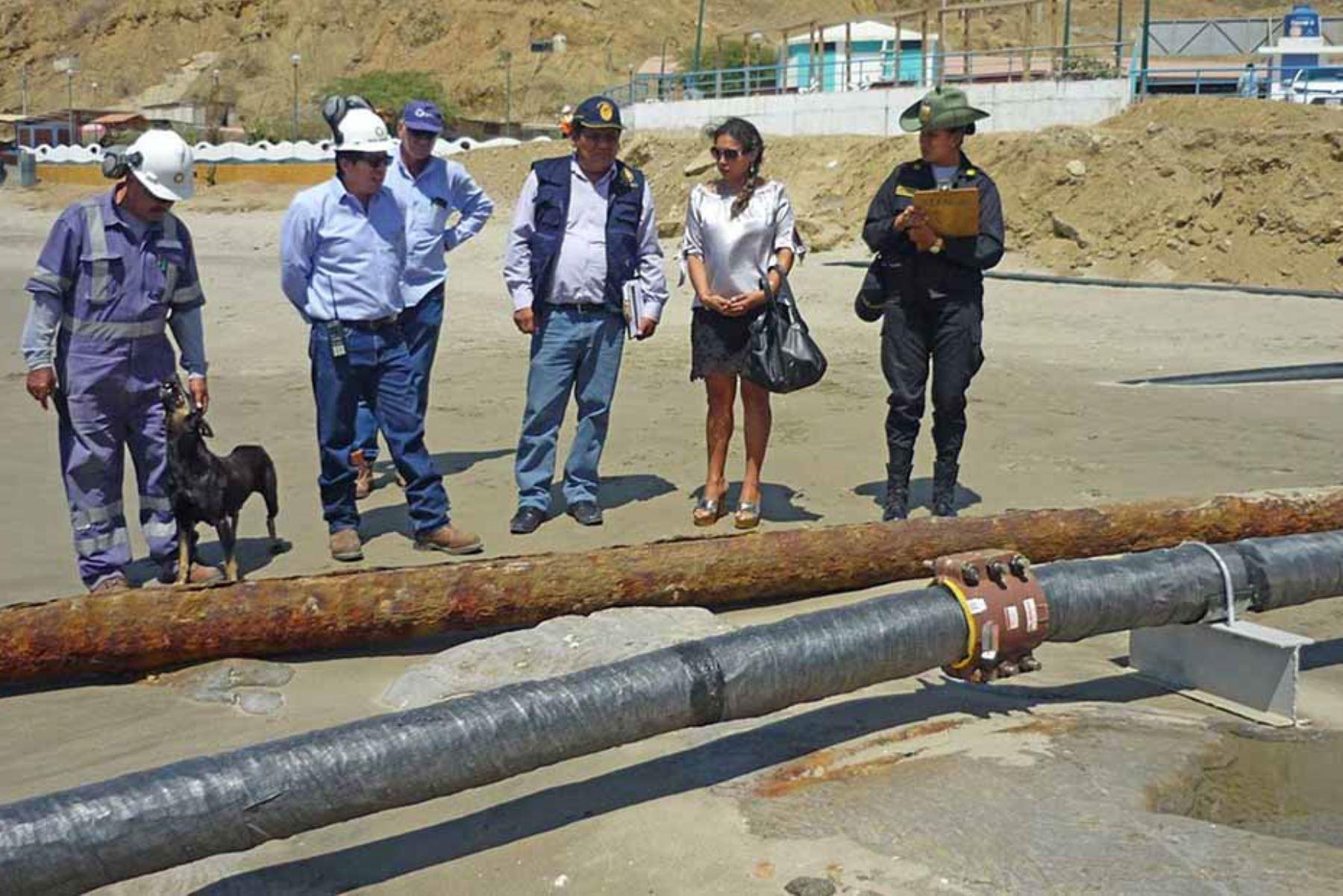Fiscalía Especializada en Materia Ambiental de Sullana investigará derrame de petróleo en Cabo Blanco, en Piura. ANDINA