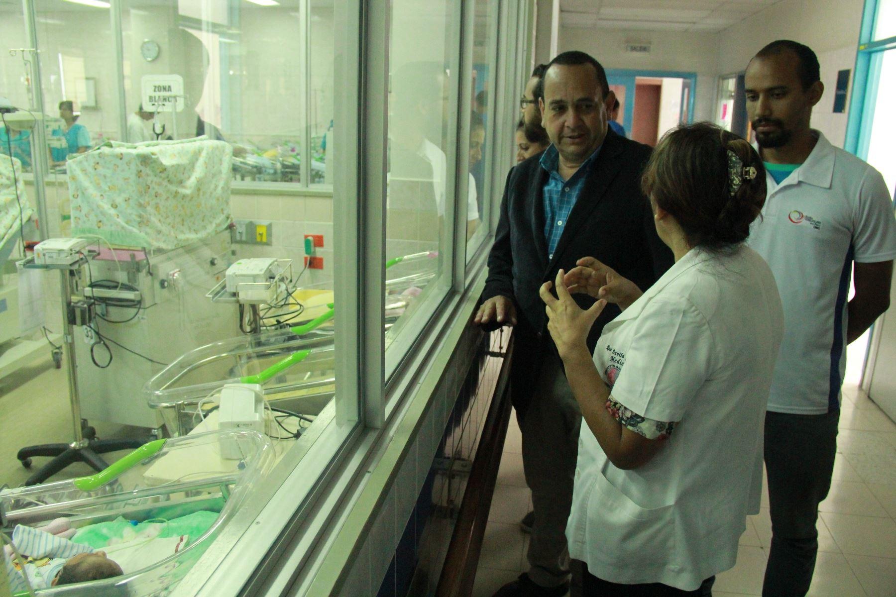 Venezolanos residentes en Perú donan implementos médicos a Maternidad de Lima. Foto: ANDINA/Difusión.
