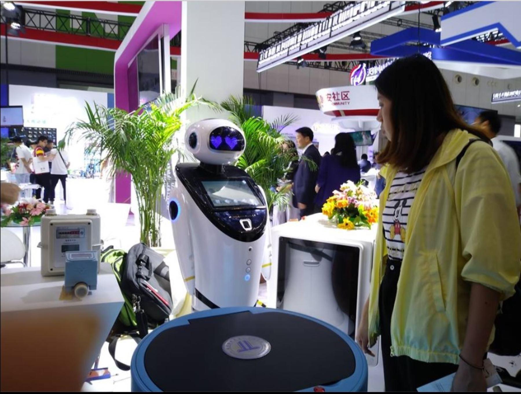 Los robots cada vez están más presentes en la vida de China