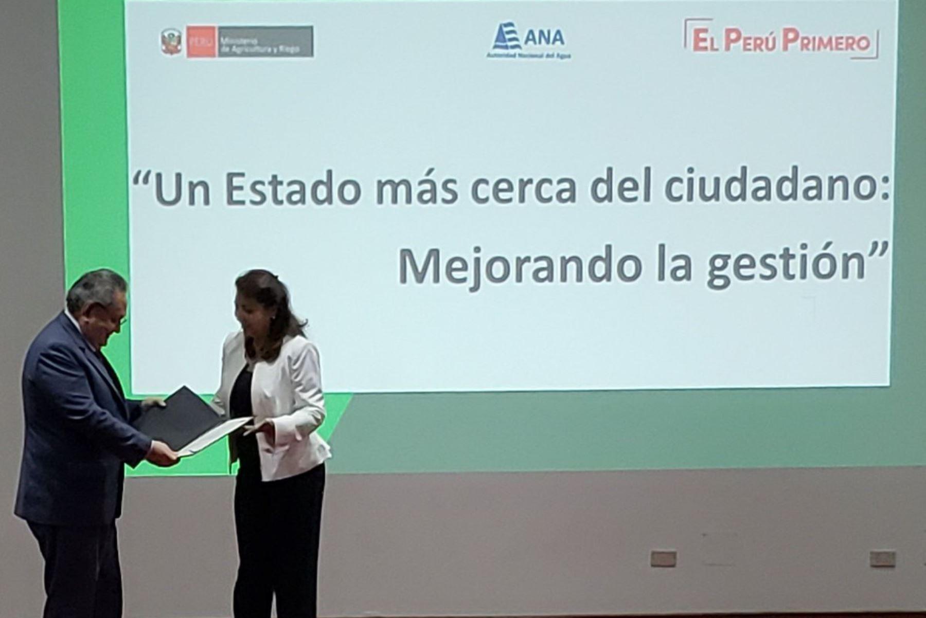 El Gobierno del Perú, a través del Ministerio de Agricultura y Riego, recibió las Certificaciones ISO 9001:2015 Calidad y 37001:2016 Antisoborno, las primeras otorgadas a una institución del pública en materia de transparencia y eficiencia, en el marco de la lucha contra la corrupción y la gestión en la calidad del recurso hídrico, acciones lideradas por el Presidente de la República, Martín Vizcarra.