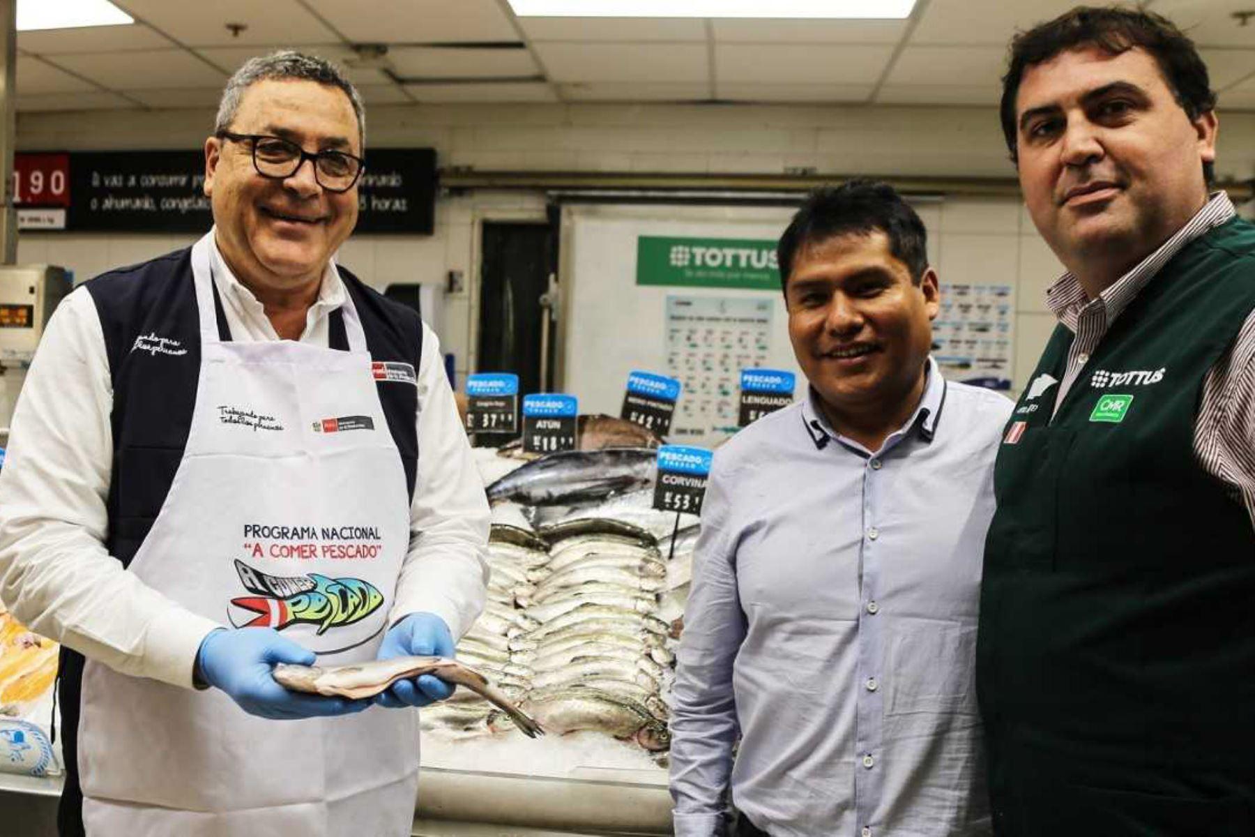 Acuicultores artesanales de Laguna Lagunillas, en la provincia de Lampa, región Puno, lograron vender sin intermediarios en menos de cinco meses, 10 toneladas de truchas arcoíris frescas a la cadena de supermercados Tottus, lo que les ha permitido obtener ingresos por más de 135,000 soles.