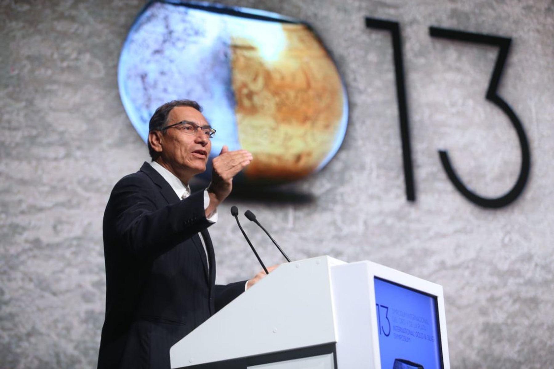 Presidente Martín Vizcarra, participa del Simposium Internacional del Oro y la Plata.