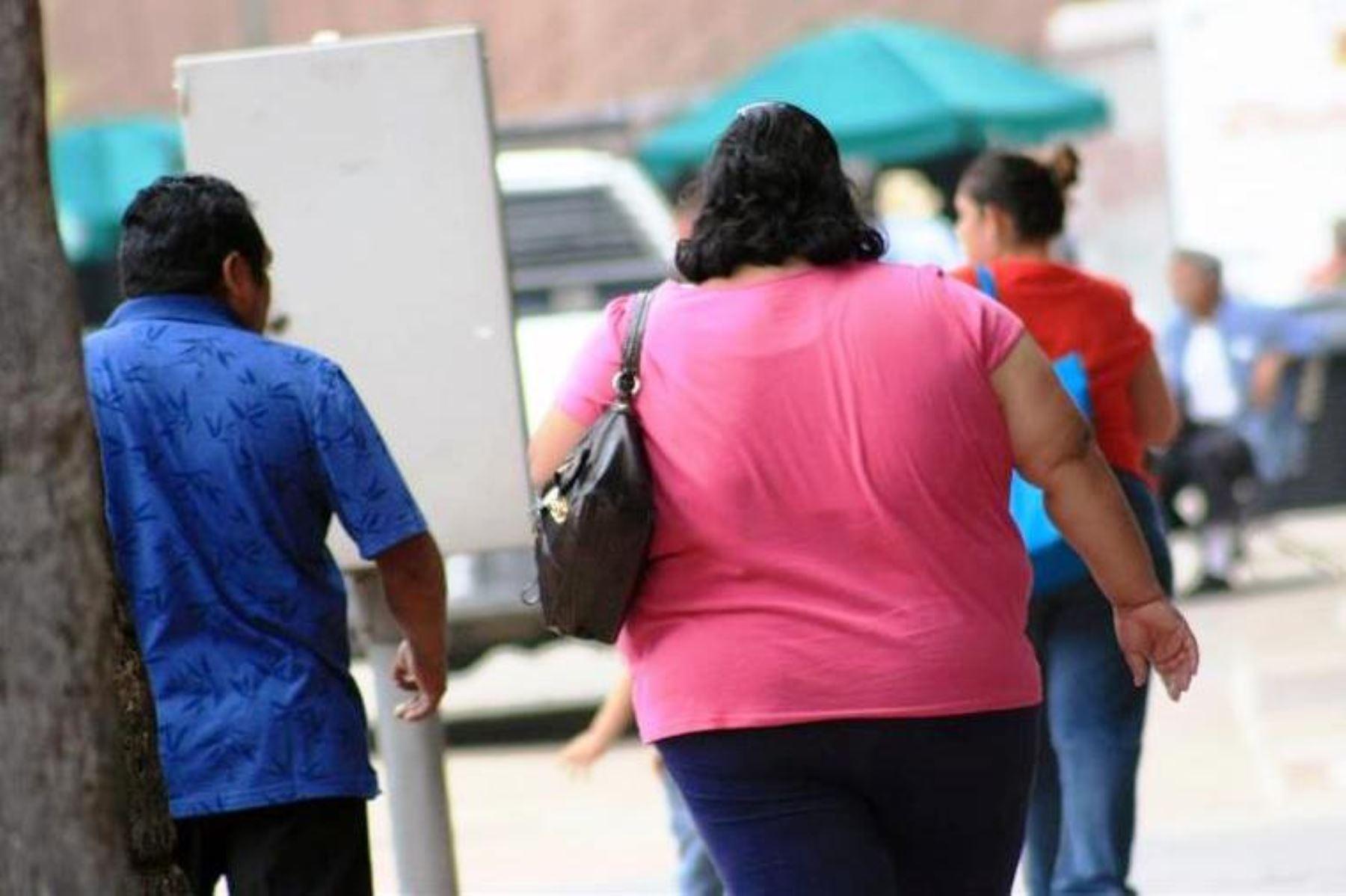 Personas con obesidad. Foto: ANDINA/archivo.
