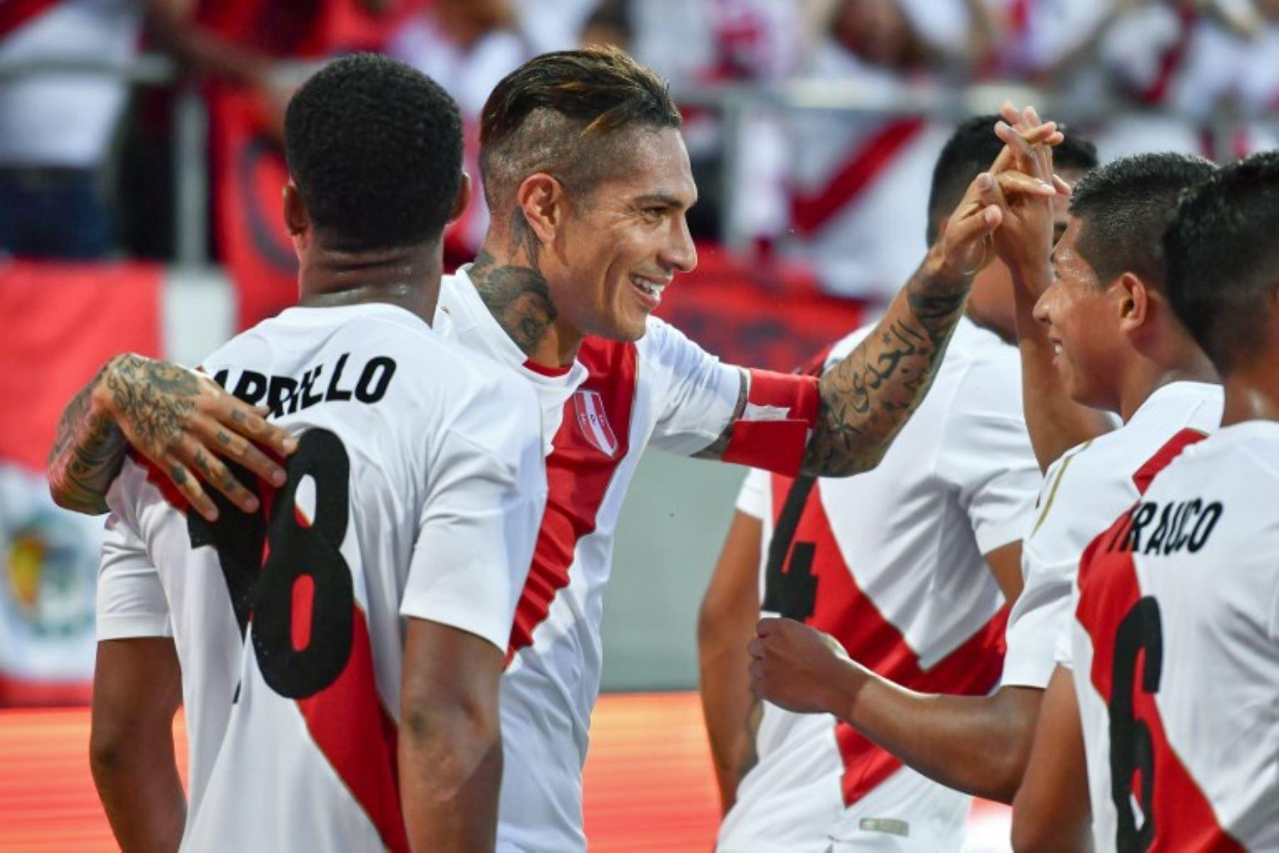Paolo Guerrero volvió a la selección y le dio goles