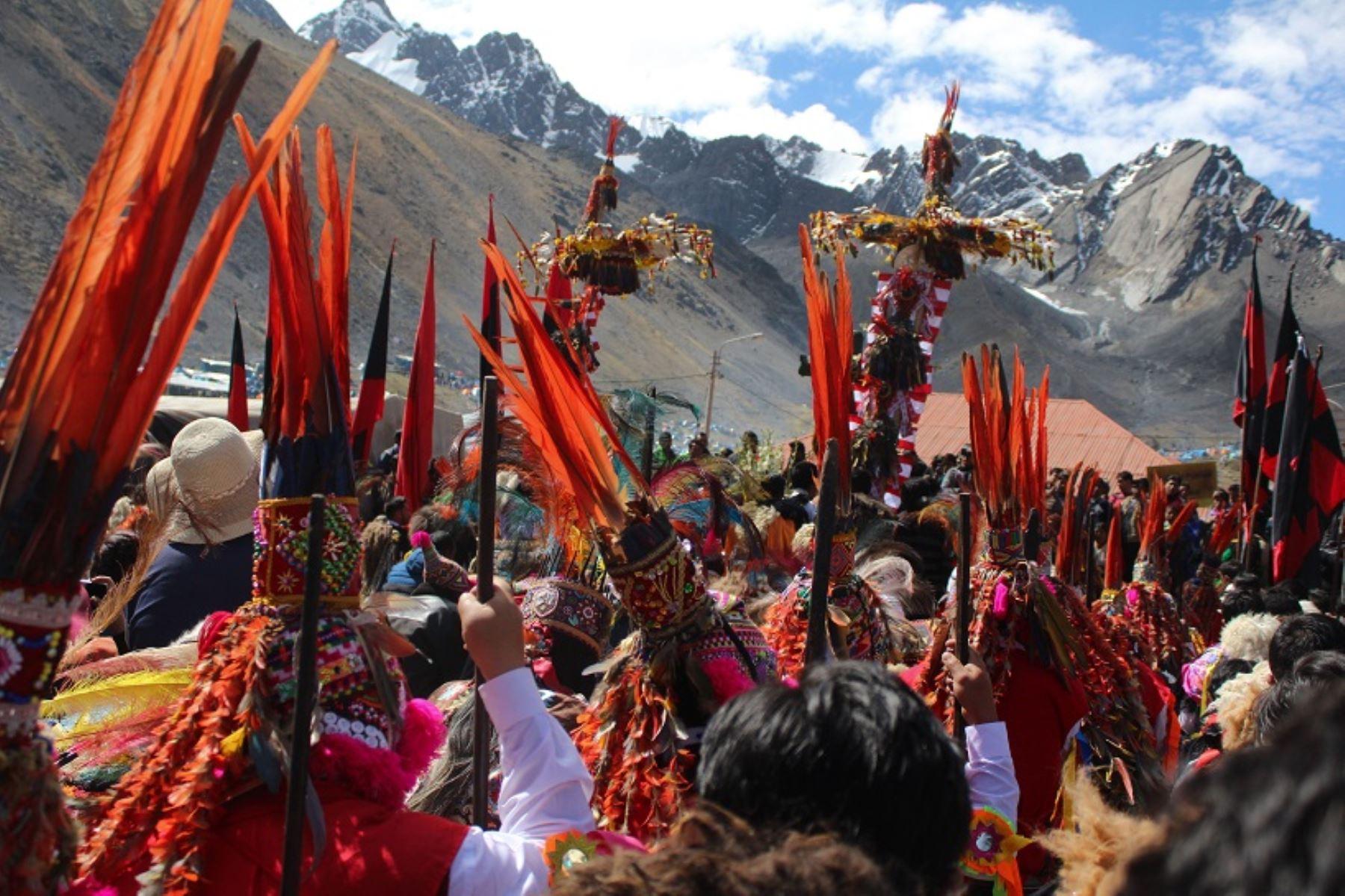 Así se vivió en Cusco la peregrinación al Santuario del Señor de Qoyllur Riti en el nevado Colque Punko. ANDINA/Percy Hurtado