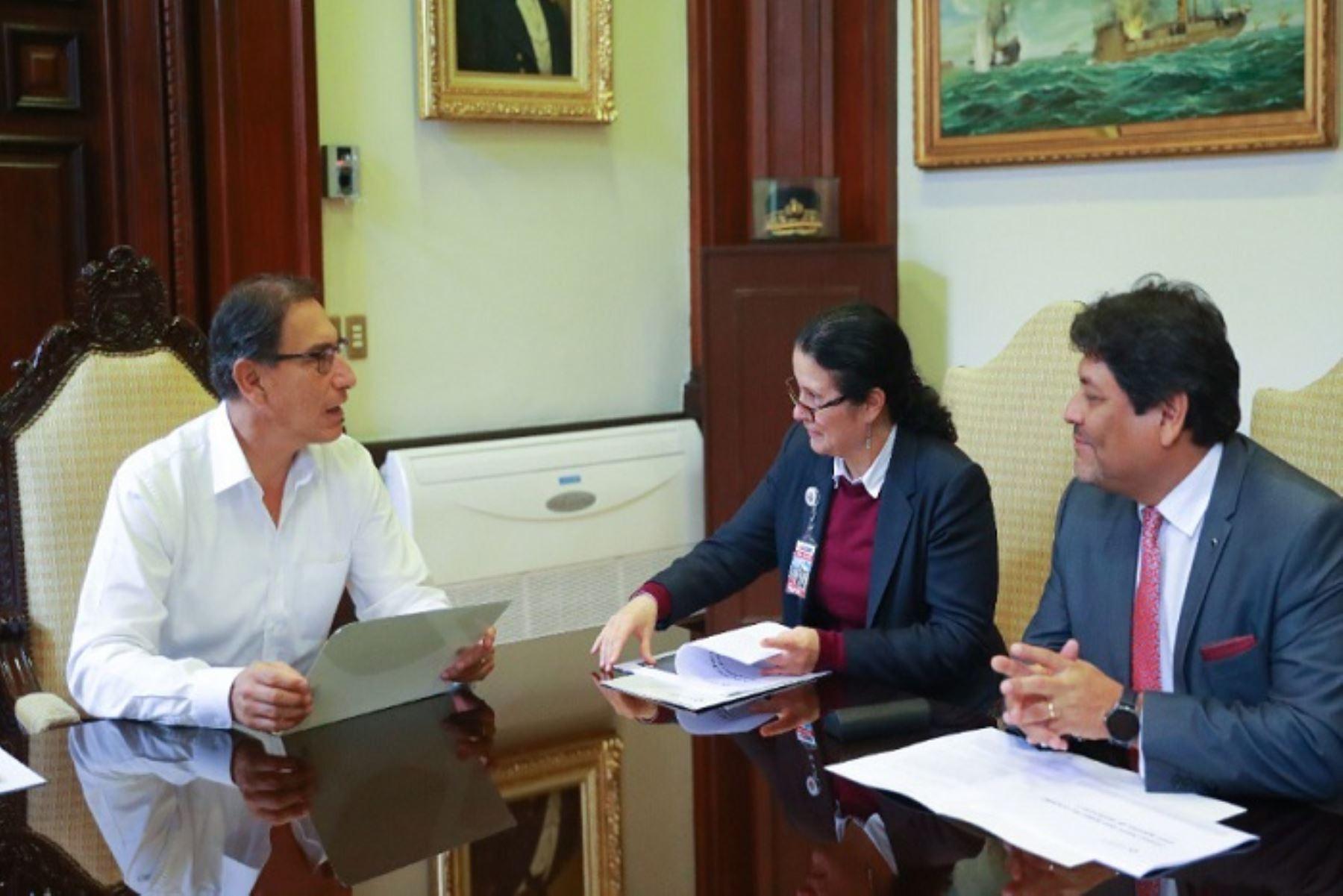 Reunión entre presidente Martín Vizcarra y titular de la Superintendencia de Banca, Seguros y AFP, Socorro Haysen.