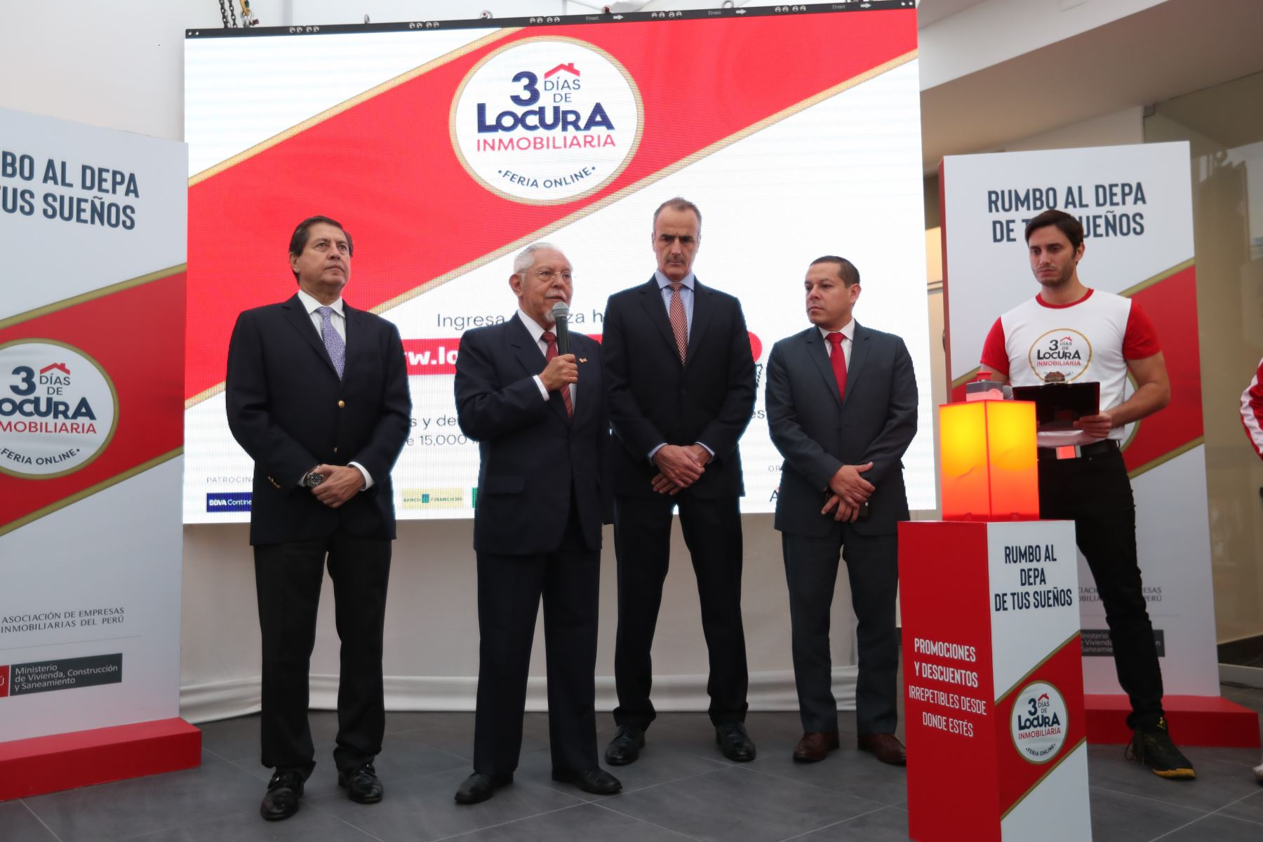 Ministro de Vivienda, Javier Piqué, en feria inmobiliaria online.