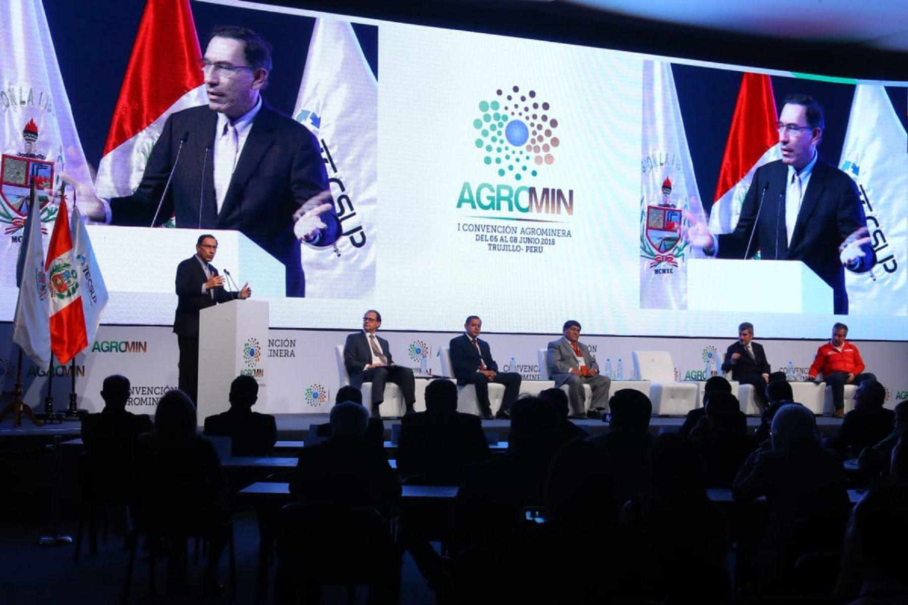 Presidente de la República, Martín Vizcarra, durante discurso en Convención Minera en Trujillo. Foto: Presidencia.