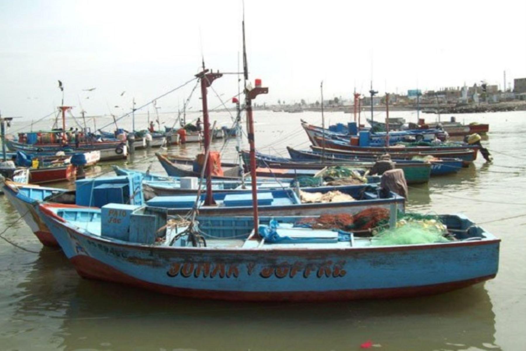 Casi la totalidad de puertos del litoral sur fueron cerrados debido a la presencia de oleajes de ligera intensidad, de acuerdo a la información proporcionada por la Dirección de Hidrografía y Navegación (DHN) de la Marina de Guerra del Perú.NDINA/Difusión