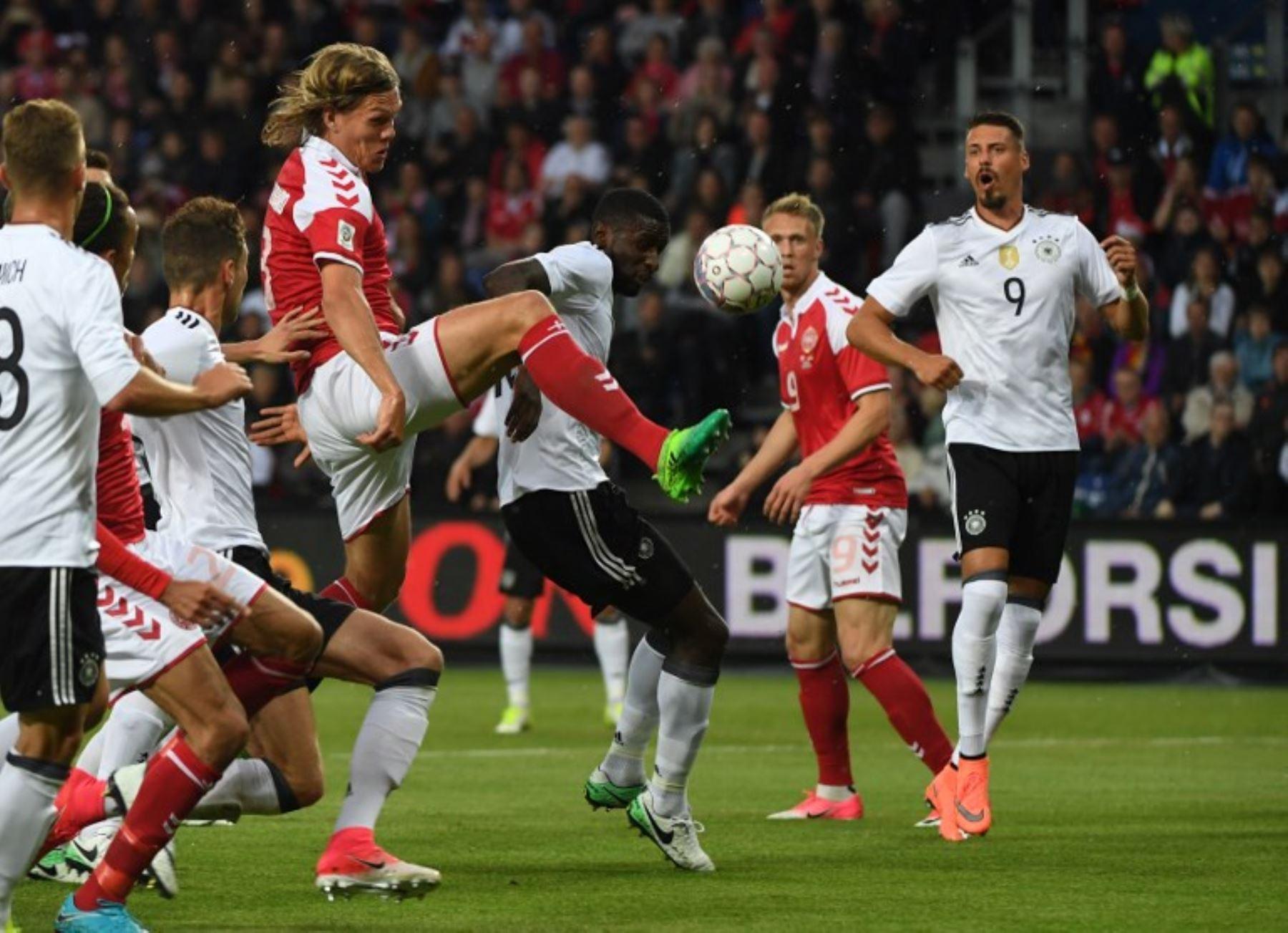 El defensor de Dinamarca, Jannik Vestergaard, con una estatura de 2 metros es uno de los más altos del Mundial de Rusia 2018