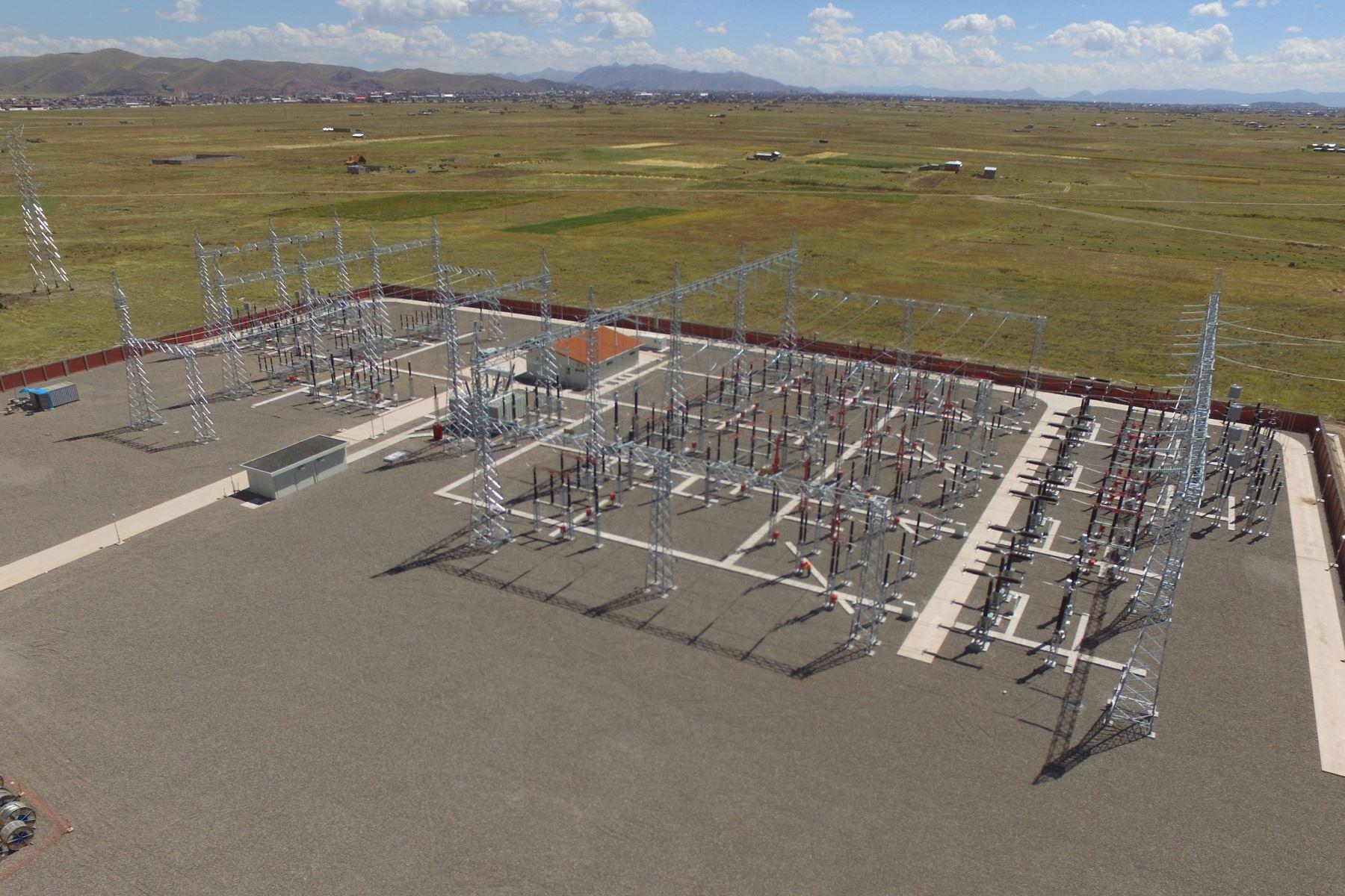 Ponen en servicio la línea eléctrica Azángaro-Juliaca-Puno, en Puno.