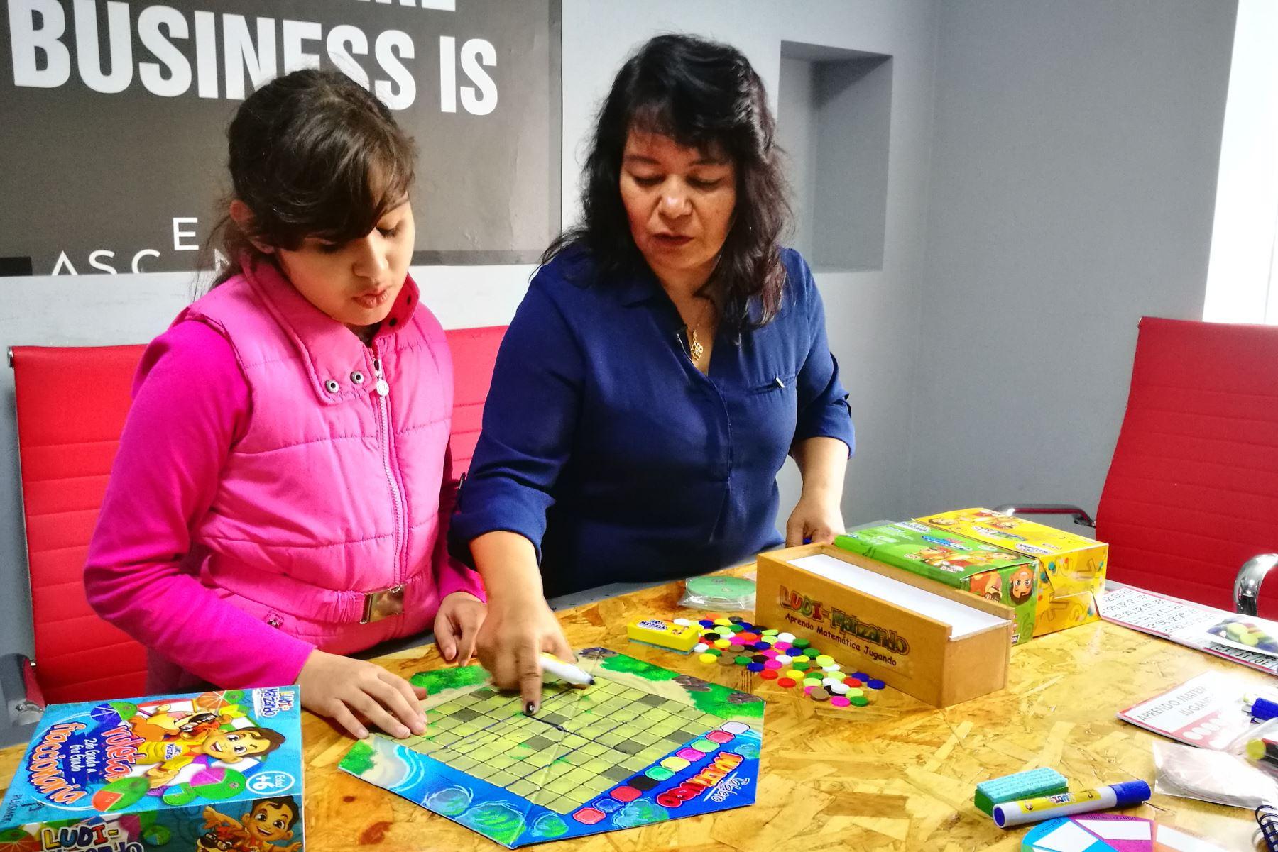 El método enseña las matemáticas de manera divertida no solo para los niños, sino para sus padres. Foto: Difusión.