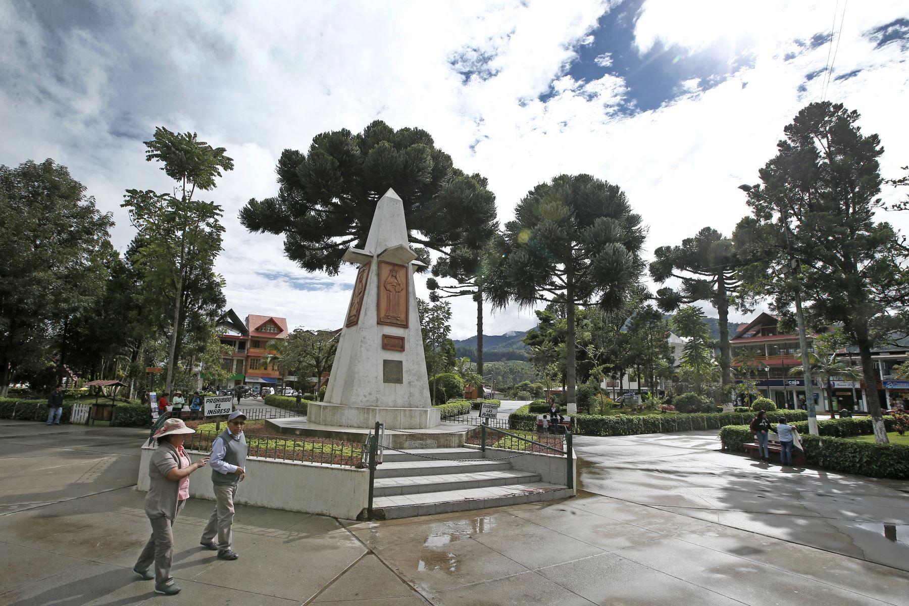 La ciudad de Oxapampa fue fundada en 1891 con el nombre de Santa Rosa de Oxapampa por un grupo de colonos alemanes y austriacos, sobre la margen derecha del río Chontabamba. ANDINA/Melina Mejía