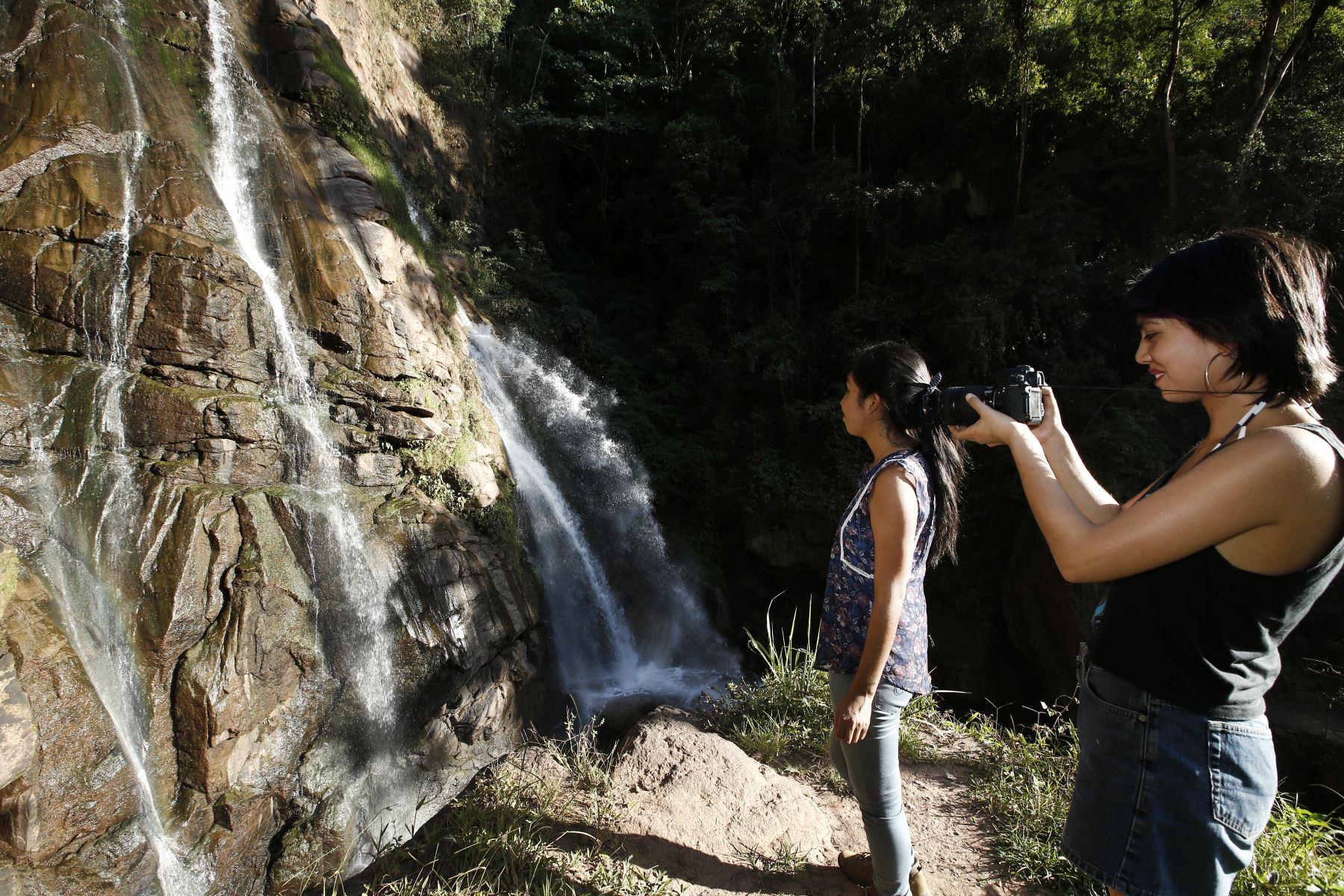 Catarata La Encantada. Foto: ANDINA/Melina Mejía