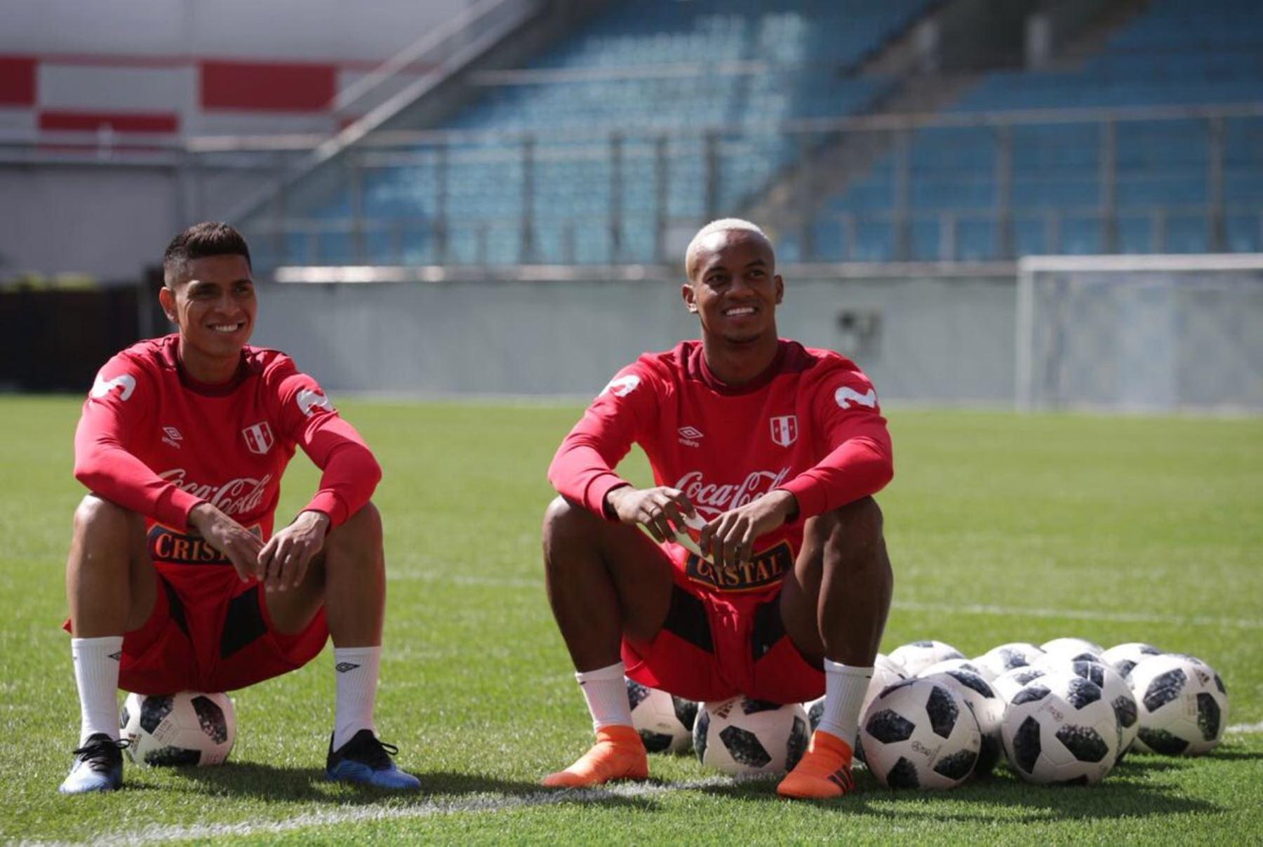 La selección peruana se pone a punto para el debut del sábado 16. André Carrillo y Paolo Hurtado esperan su oportunidad.