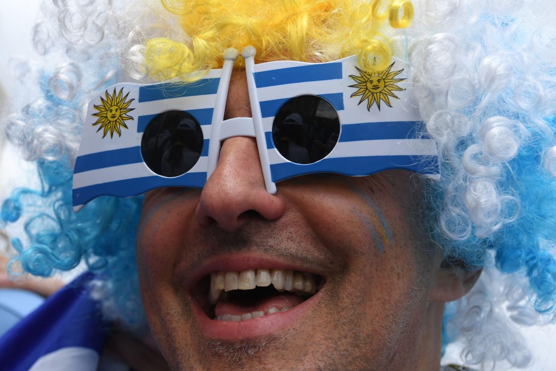 Un hincha uruguayo posa con anticipación al partido de fútbol del Grupo A de la Copa Mundial Rusia 2018. Foto: AFP