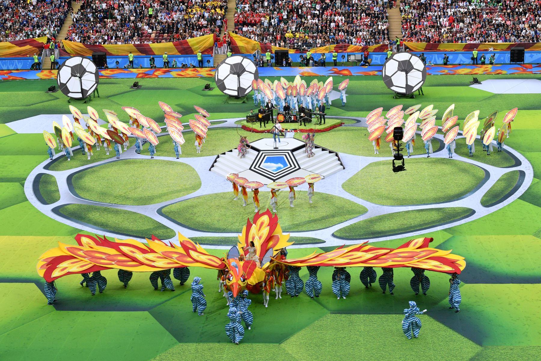 Ceremonia de apertura antes del partido de fútbol de la Copa Mundial Rusia 2018 A entre Rusia y Arabia Saudita en el Estadio Luzhniki de Moscú. AFP